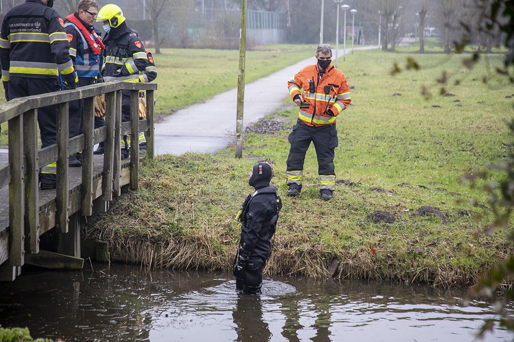 Zoekactie naar mogelijk te water geraakte fietser in Bennebroek