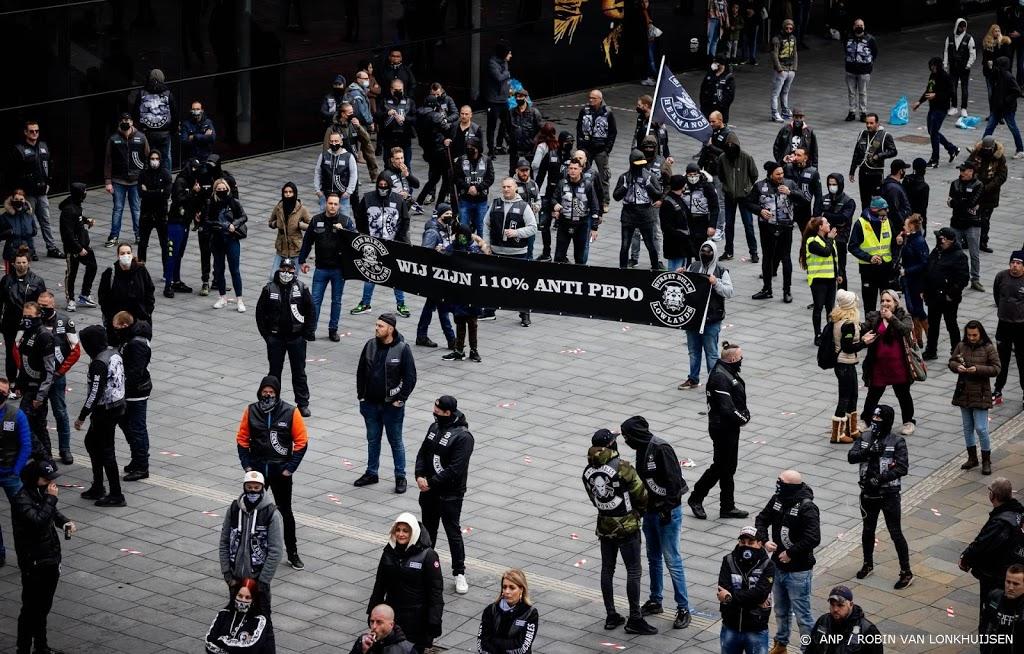 Paar honderd demonstreren tegen pedofilie in Utrecht