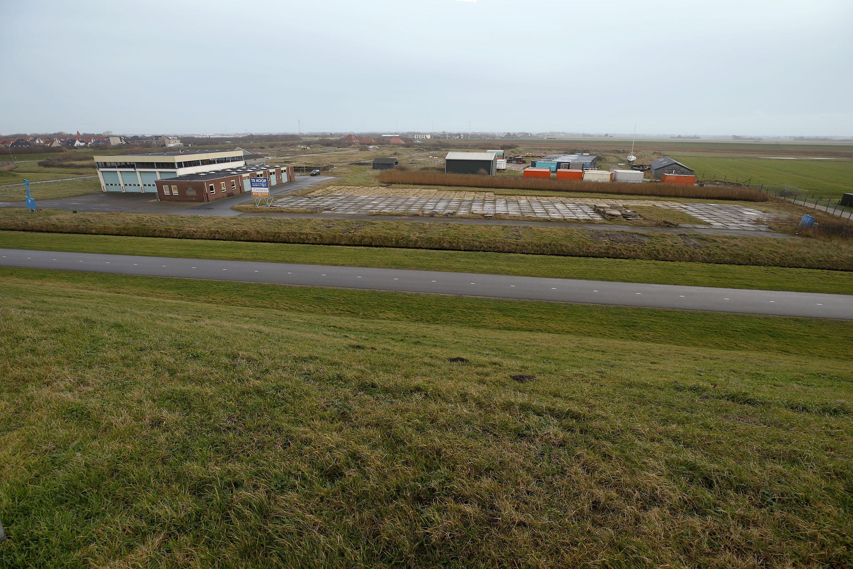 Petten in beeld voor 'Ecopark' van tien hectare. Plan voor huisjes roept schrik op in dorp