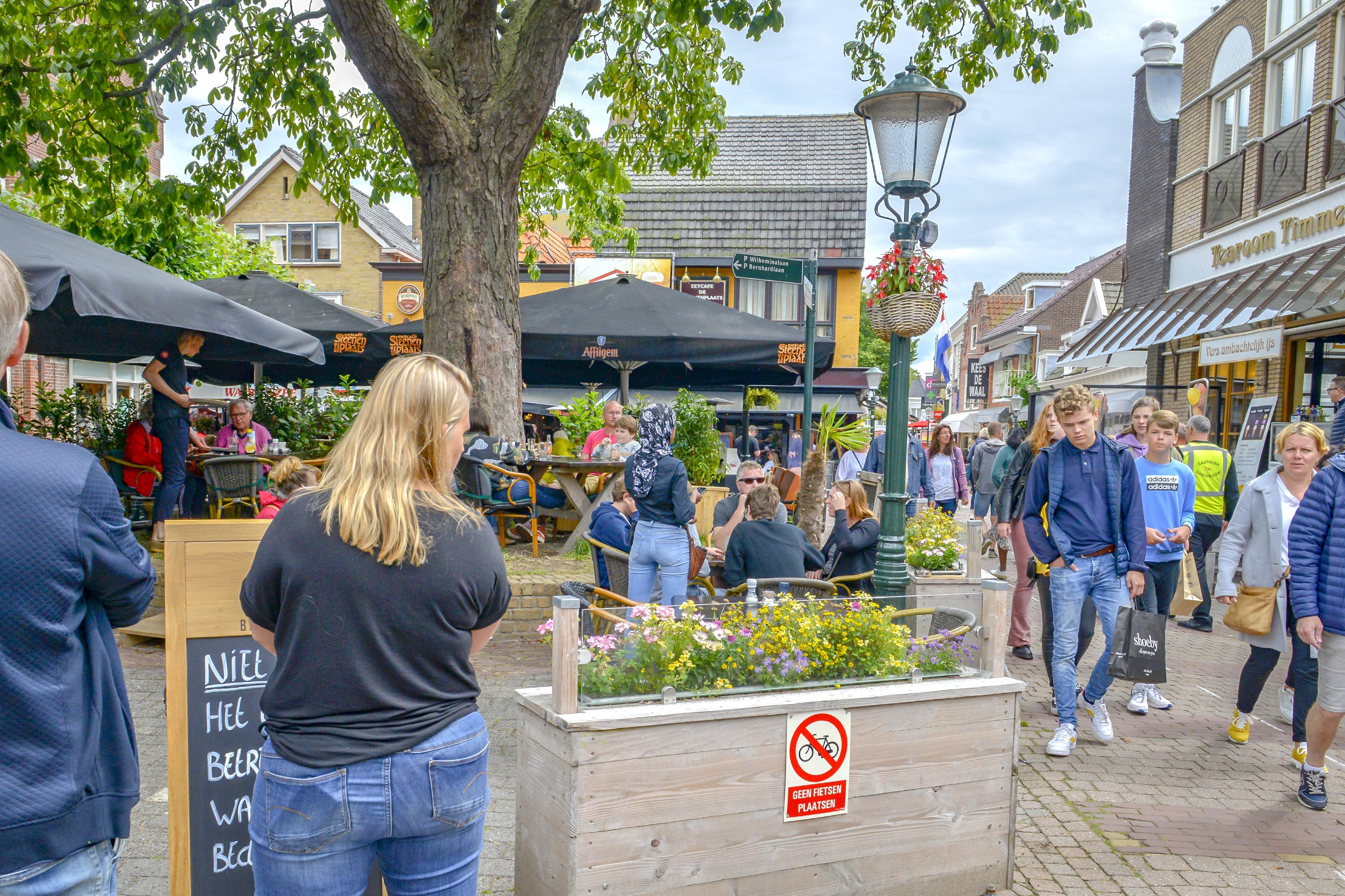 Gemeente Texel schroomt niet langer om boetes uit te delen als cafés de coronamaatregelen overboord gooien