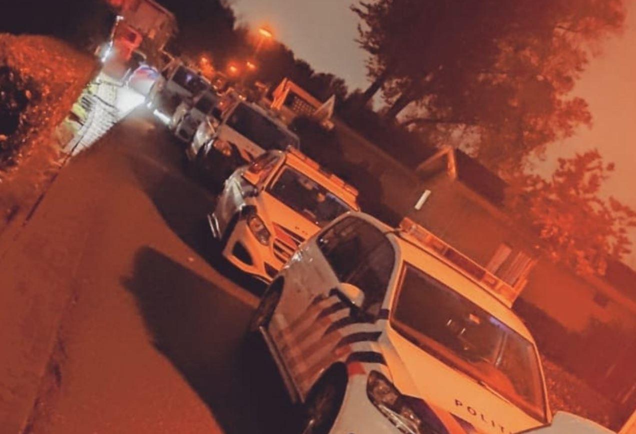 Feestvierders krijgen allemaal een bon van 95 euro na illegale halloweenparty in Halfweg; eigenaar vakantiepark is verbijsterd