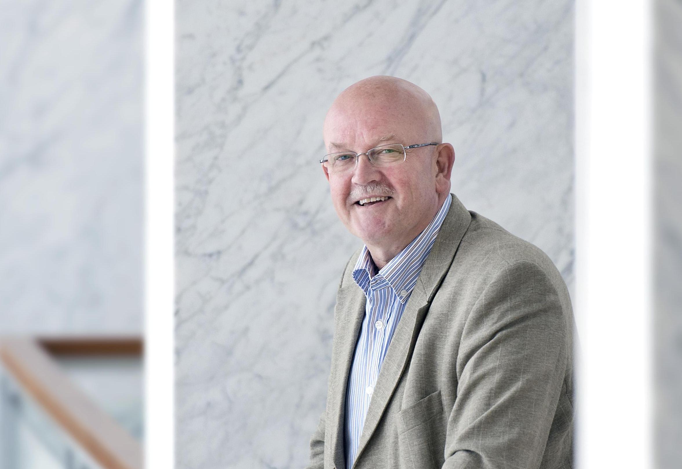 Wethouder Floor Bal van Velsen blijft ook na afhaken Tata Steel positief. 'Warmtenet IJmond gaat gewoon door'