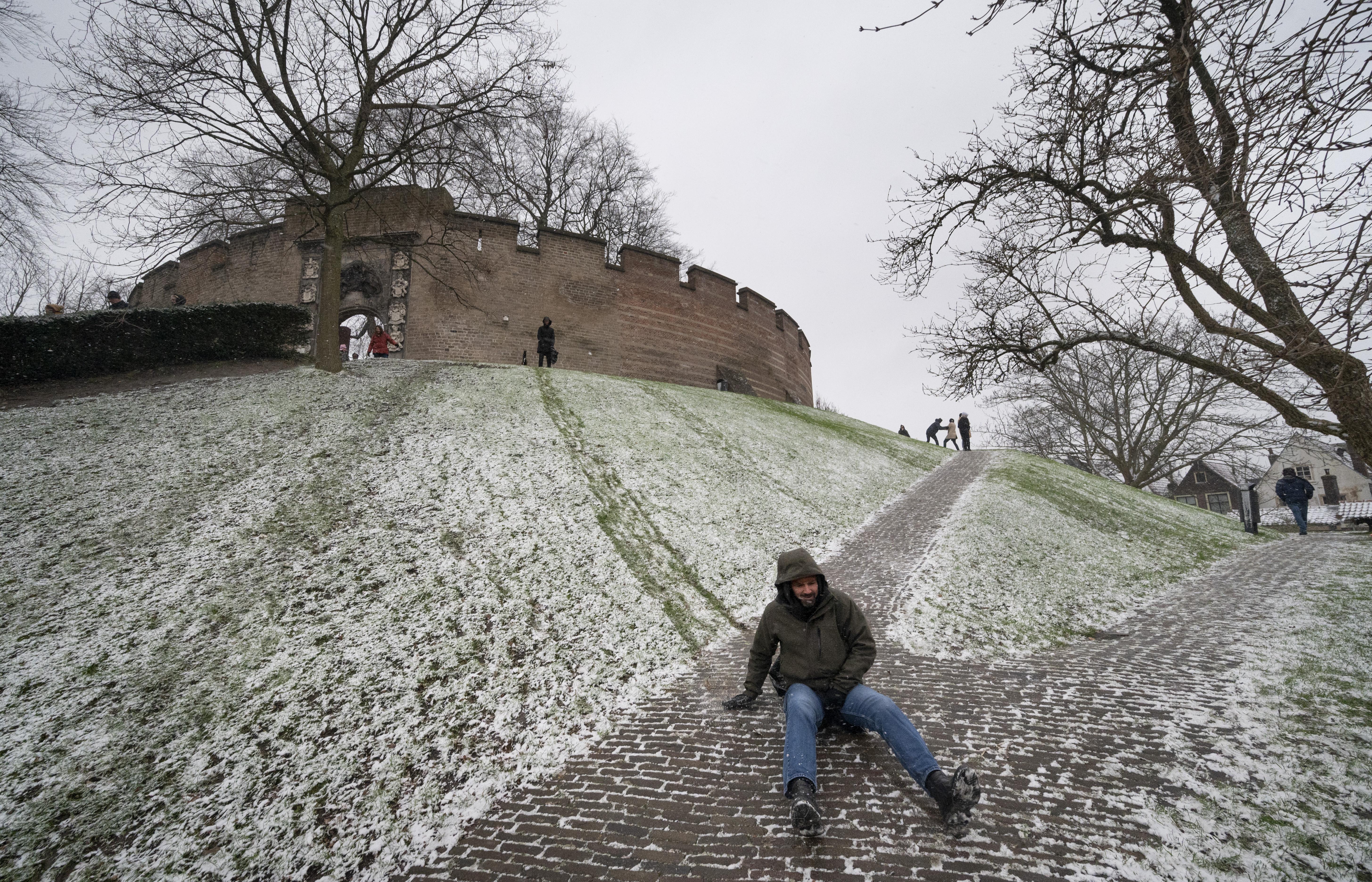 Veel pret met een klein beetje sneeuw