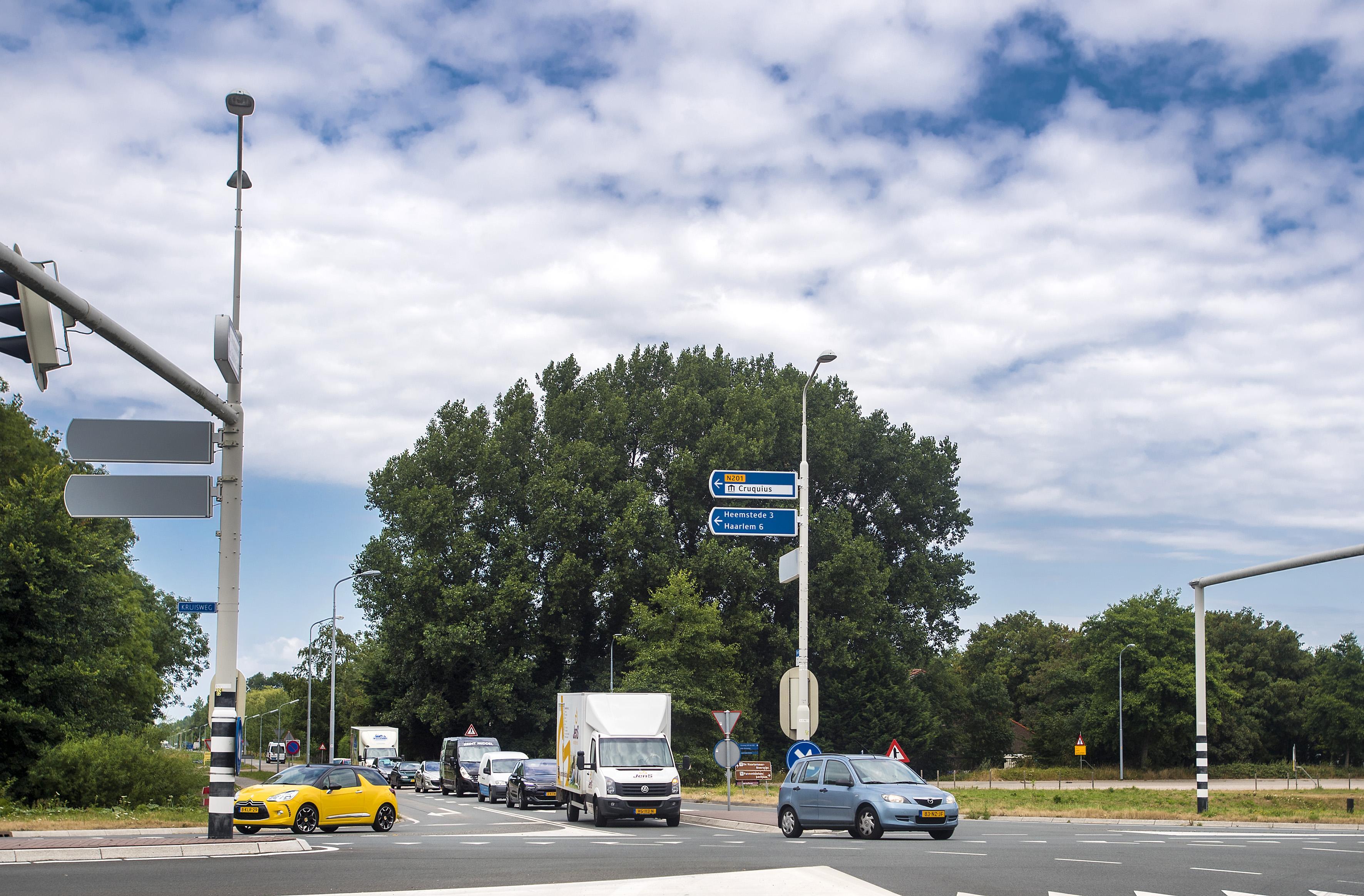Nieuwe aansluiting op N205 bij Zwaanshoek nodig door woningbouw
