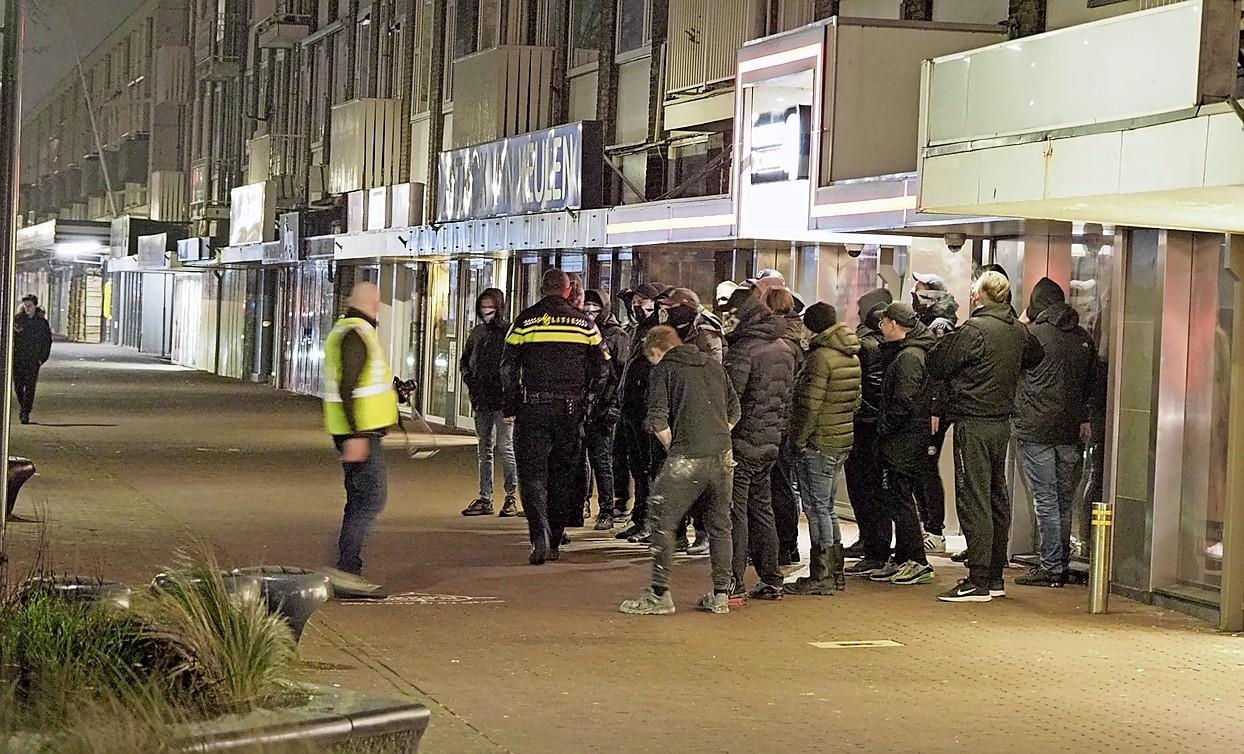 Doe mee met de IJmondstelling: Defend IJmuiden moet de bescherming van winkels aan de politie laten