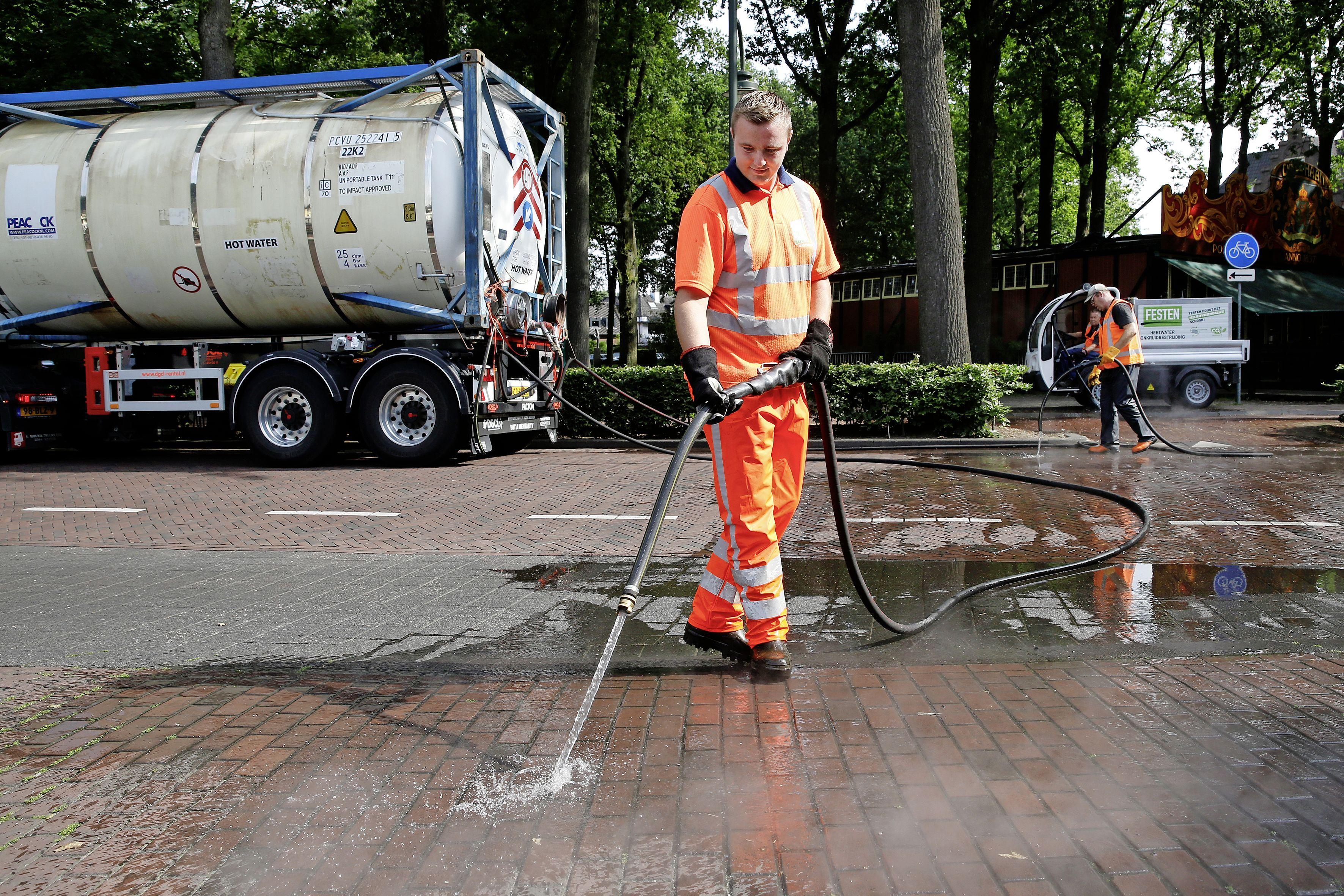 BEL gaat onkruid gifvrij en energieneutraal te lijf; Drie gemeenten experimenteren met CO2-neutraal opgewarmd kokend water
