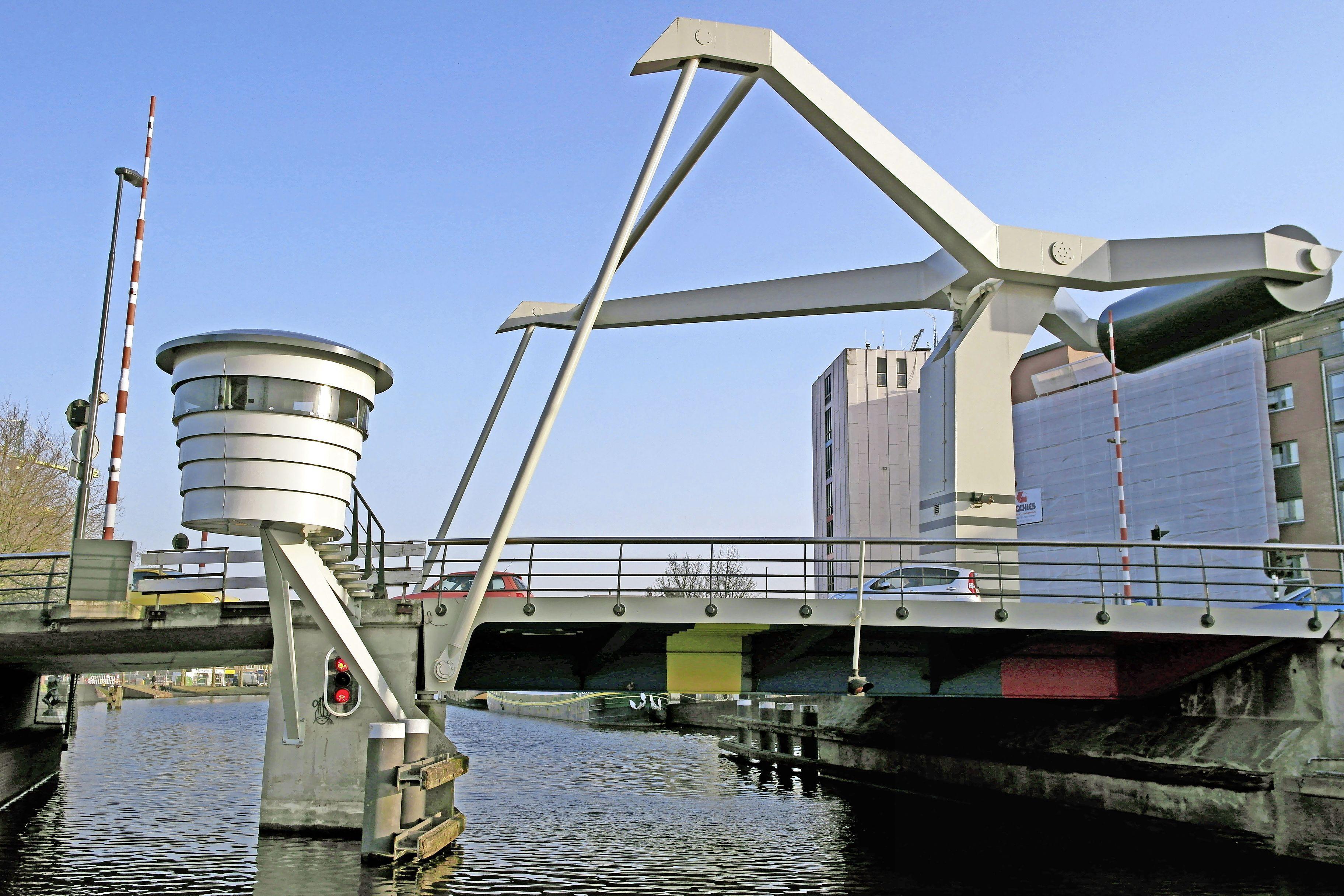 Flinke veiligheidsrisico's bij de Prinsenbrug en Langebrug in Haarlem