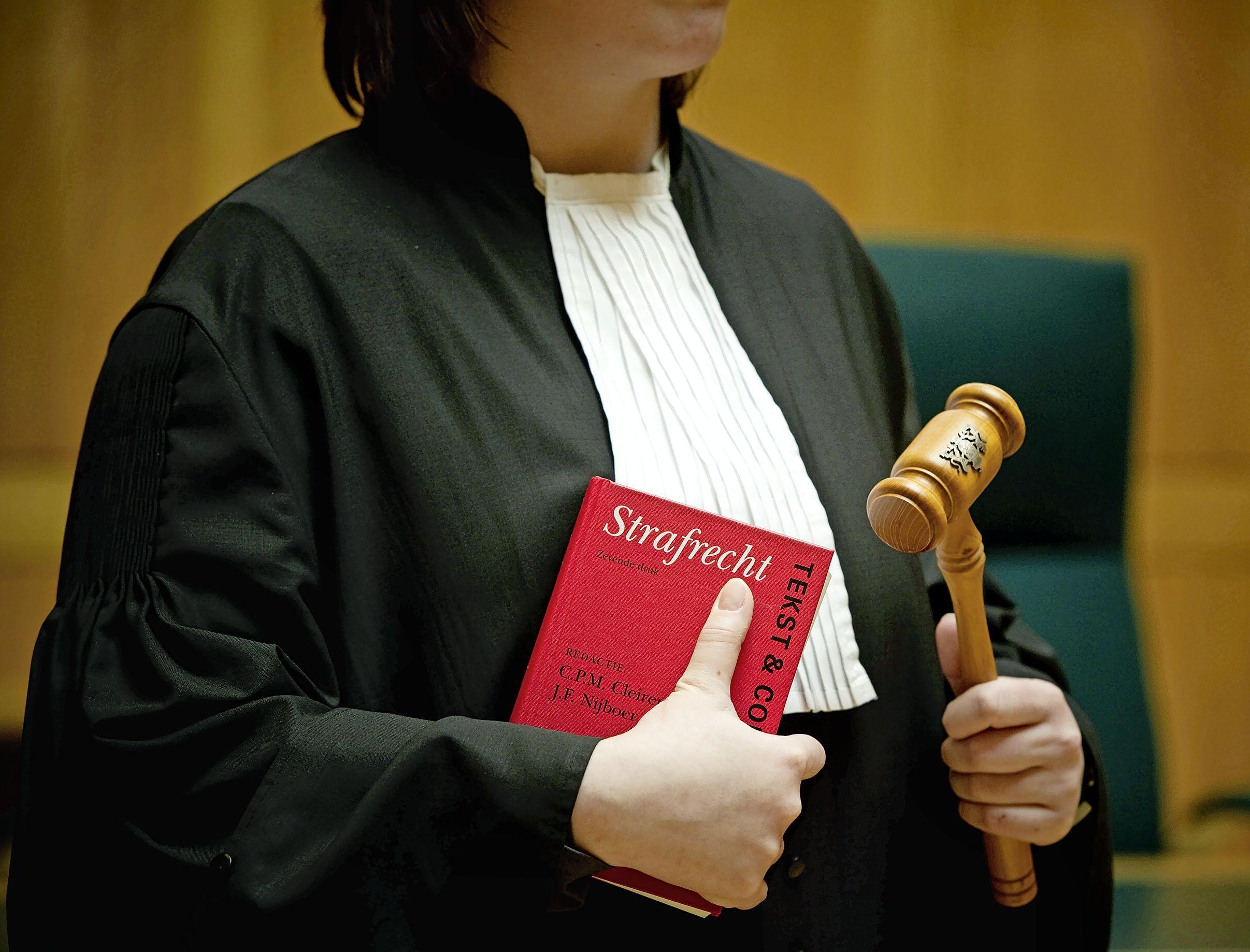Celstraf voor gewapend oud-motorclublid uit IJmuiden (32) met drugs