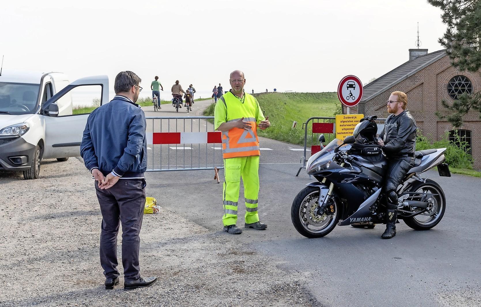Meeste motorrijders tonen begrip voor afsluiting Zuiderdijk in West-Friesland: 'Mogen wij dan volgende week?'