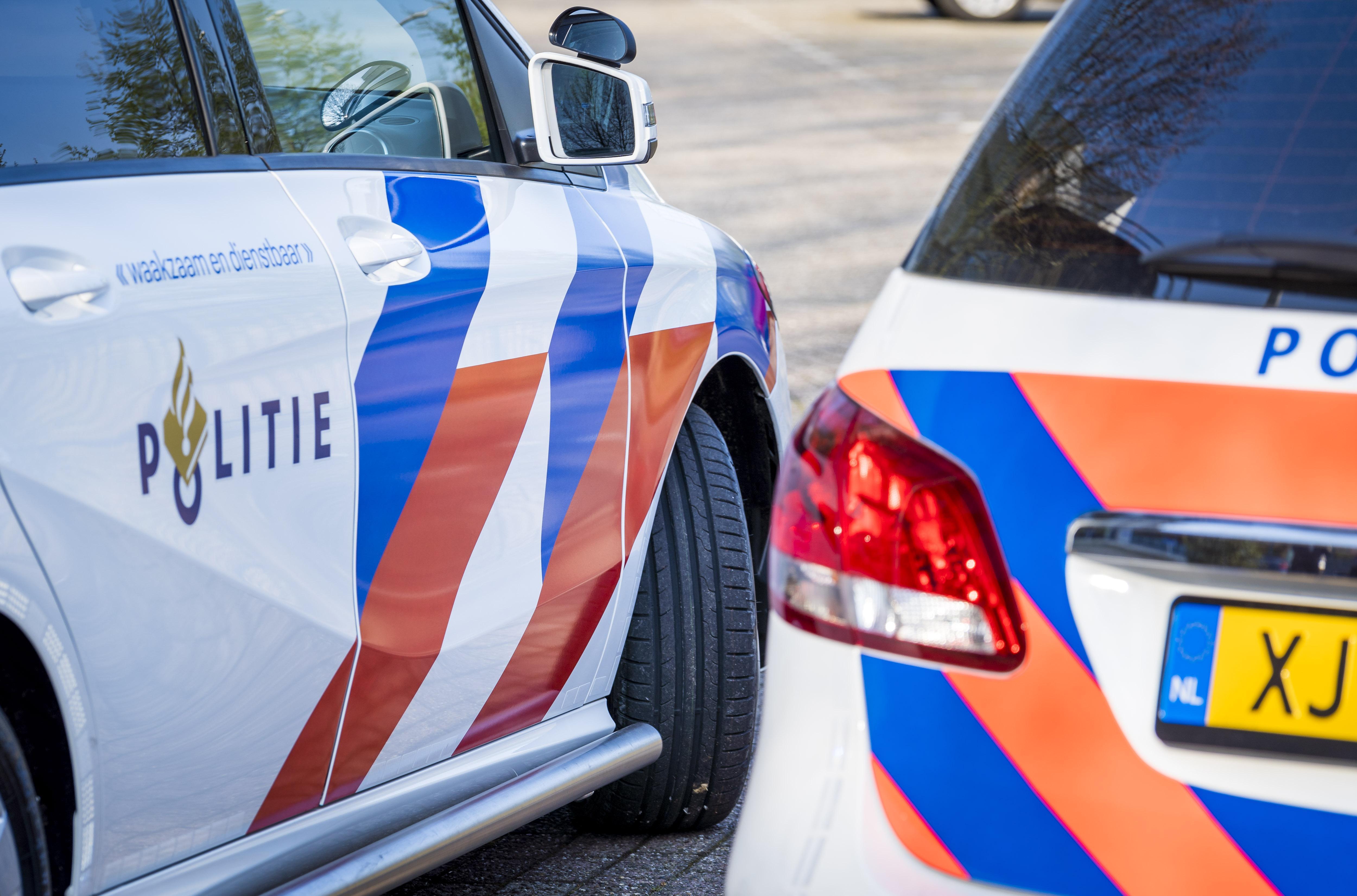 Twee mannen aangehouden bij bedrijfspand in Zwaagdijk-Oost