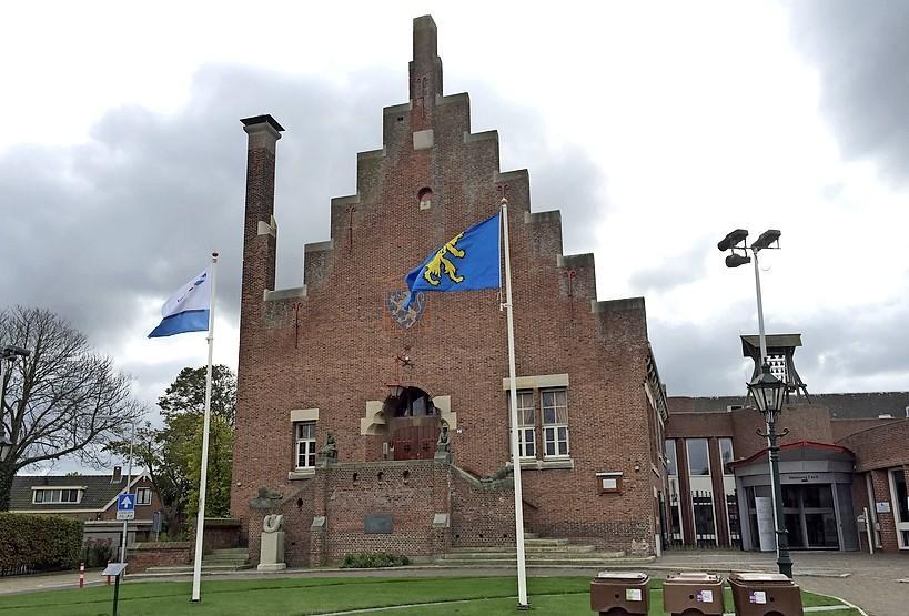 Raadsmeerderheid voor gemeentebalie Noordwijkerhout, tegen de zin van burgemeester Verkleij