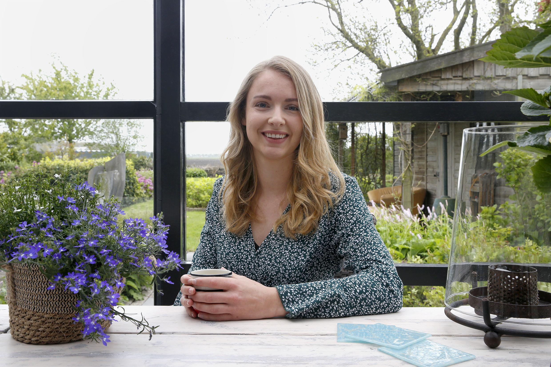 Carrièrestart (slot): Jessy Oudeman is happy en deelt dat graag met andere millennials