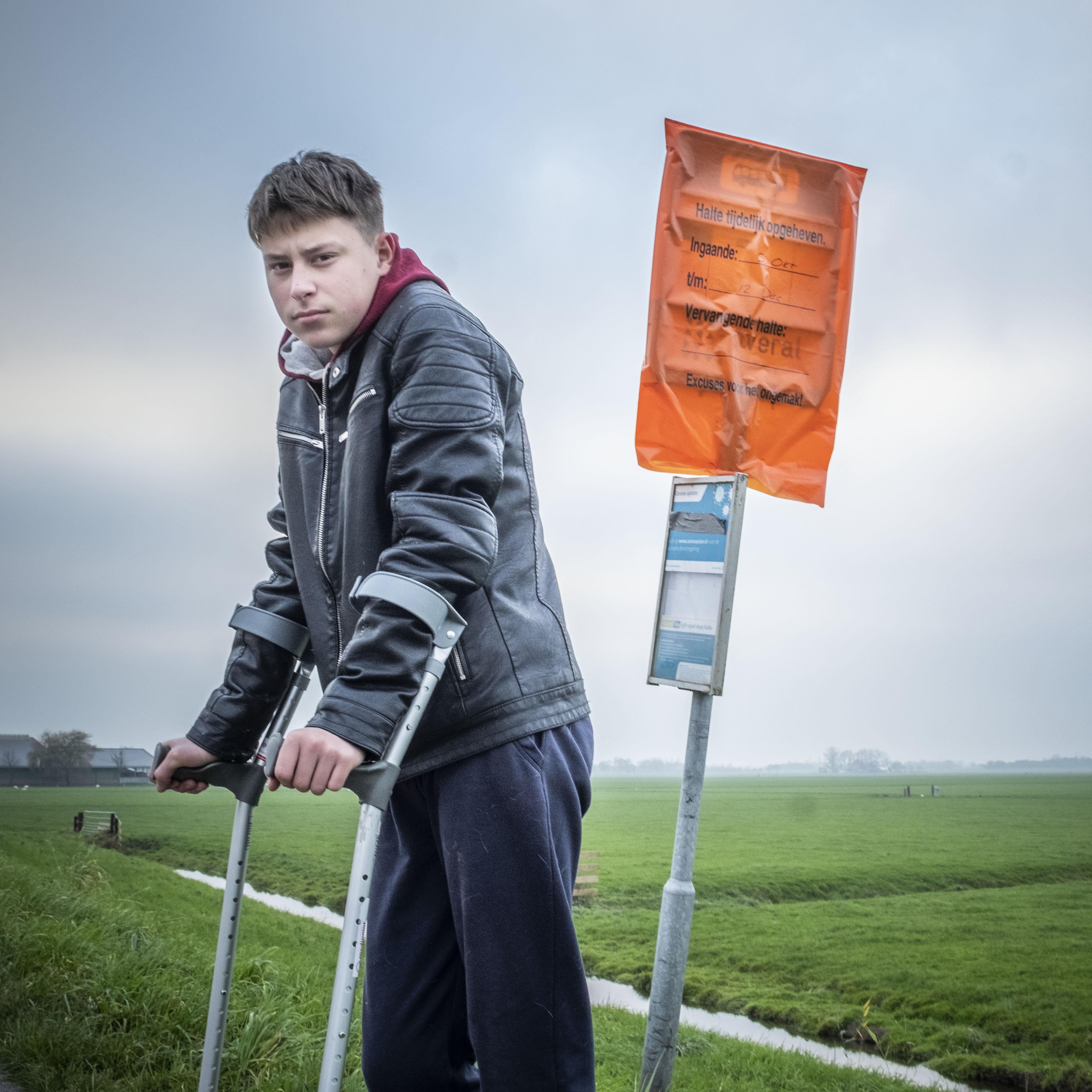 Burgemeester van Alkmaar regelt persoonlijk een taxi voor Wouter (15) die niet op school kon komen