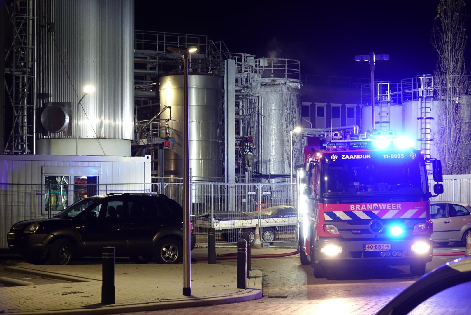 Grote brand bij vetproducent Loders Croklaan in Wormerveer [update]