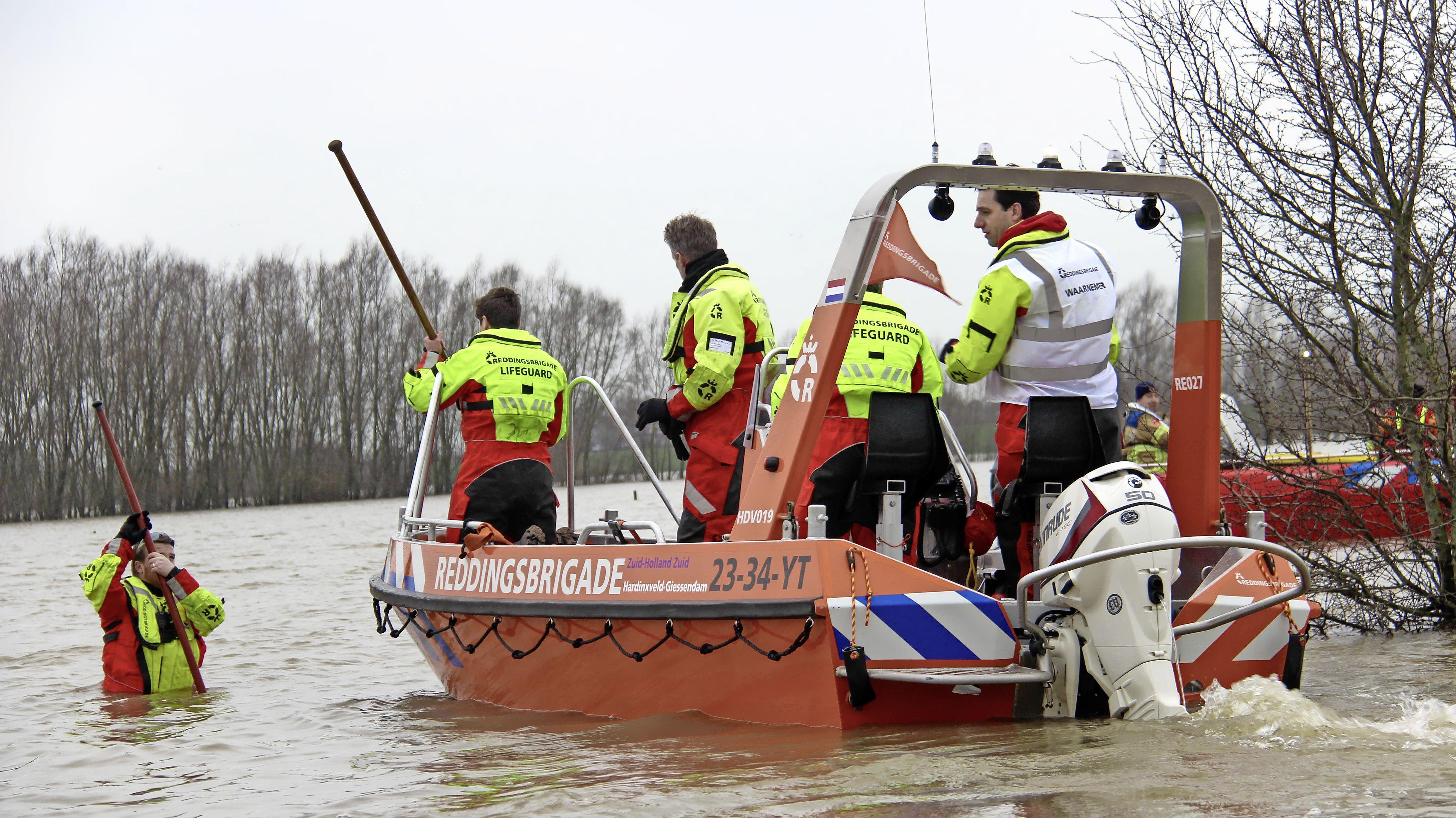 Bij grote watercalamiteiten en overstromingen rukt de Nationale Reddingsvloot uit. Veiligheidsregio draait op voor kosten van vier vaartuigen met bemanningen