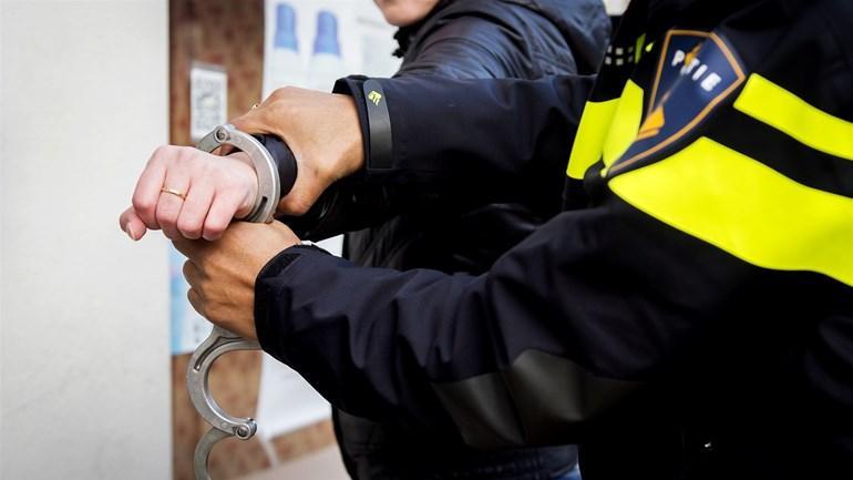 Heldernaar (20) verwondt twee agenten na grote hoeveelheid geluidsoverlast