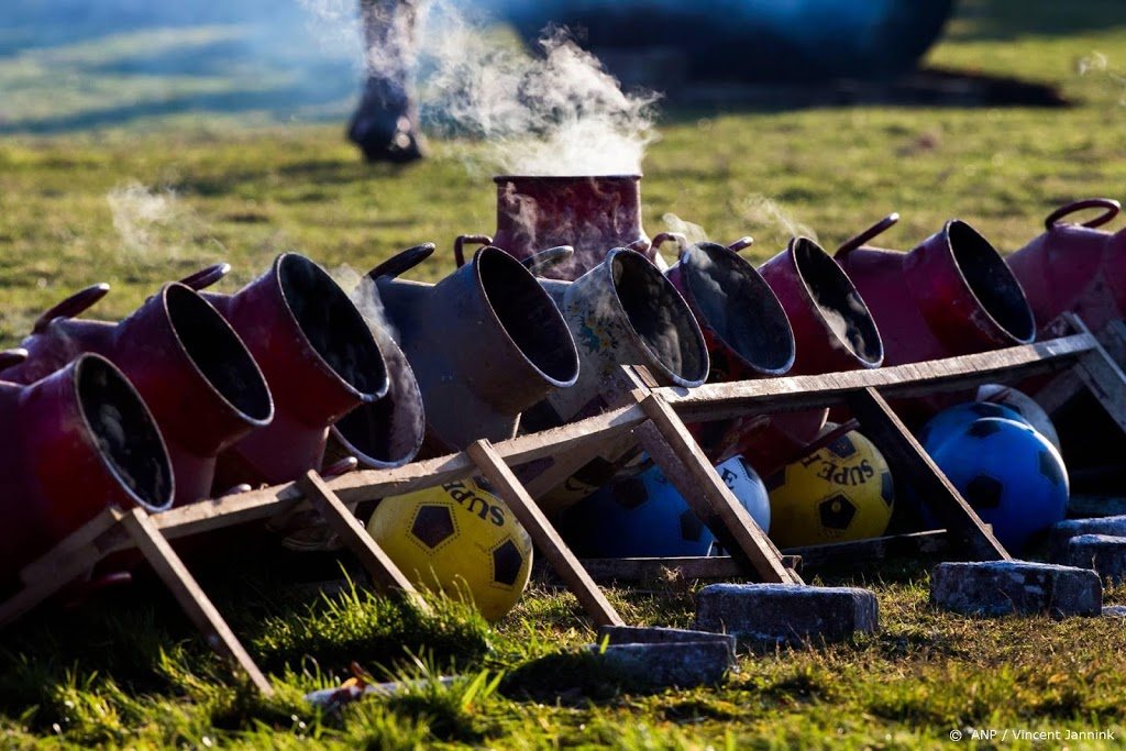Vakbonden politie en boa's voor landelijk verbod carbidschieten