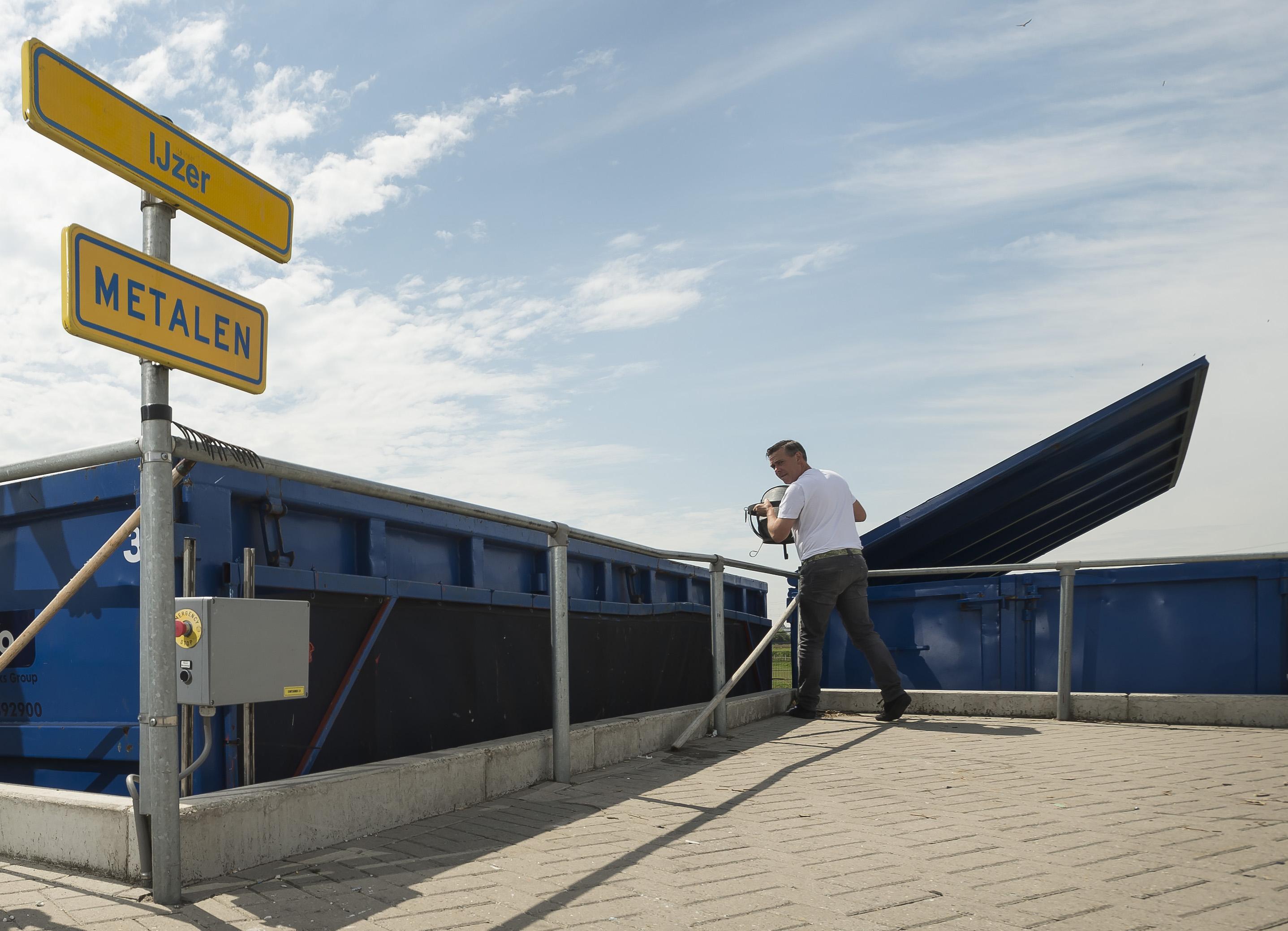Proef met avondopenstelling Katwijkse en Noordwijkse milieustraat krijgt vervolg, ondanks gebrekkige belangstelling