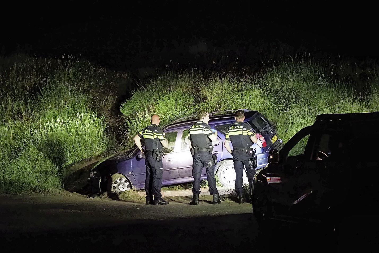 Politie houdt automobilist staande na ongeval in IJmuiden voor rijden onder invloed, voertuig ligt vol met inbrekersgereedschap