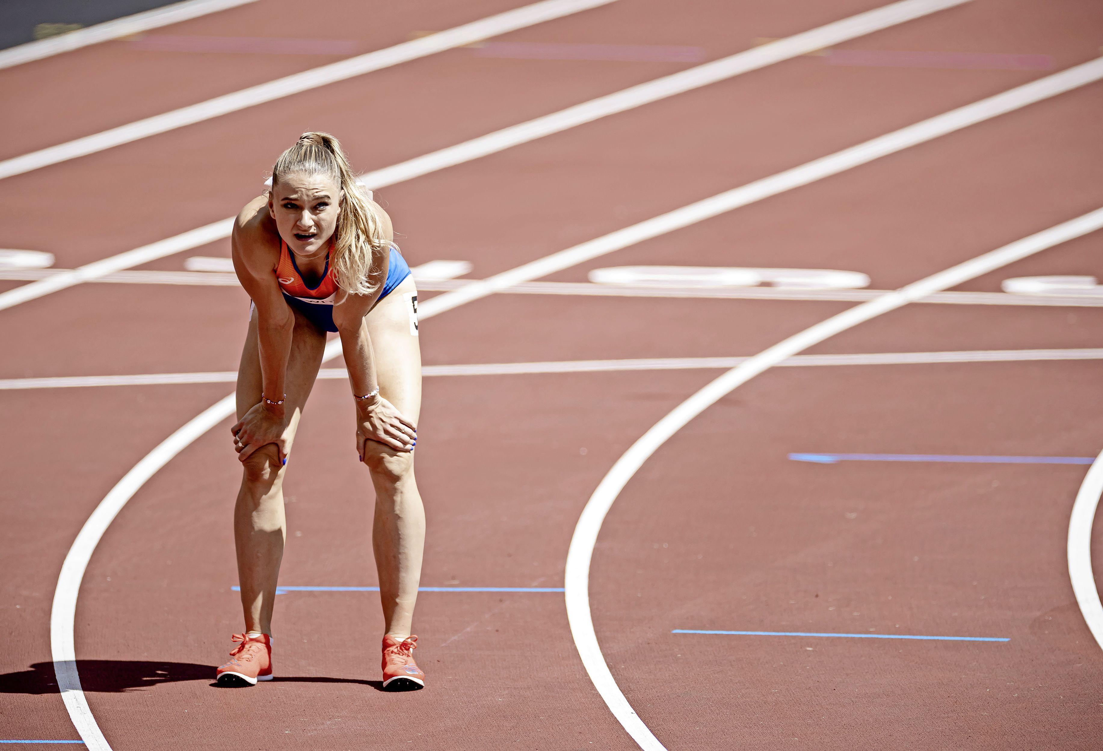 Lieke Klaver en Lisanne de Witte door naar halve finales 400 meter in Tokio [video]