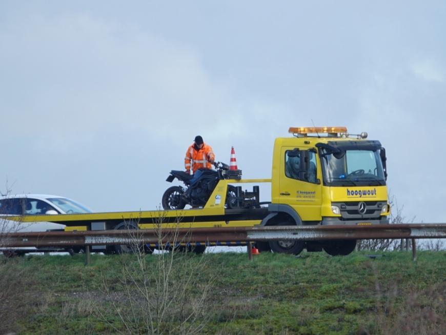 Motorrijder gewond na ongeval op de A8 bij Westzaan