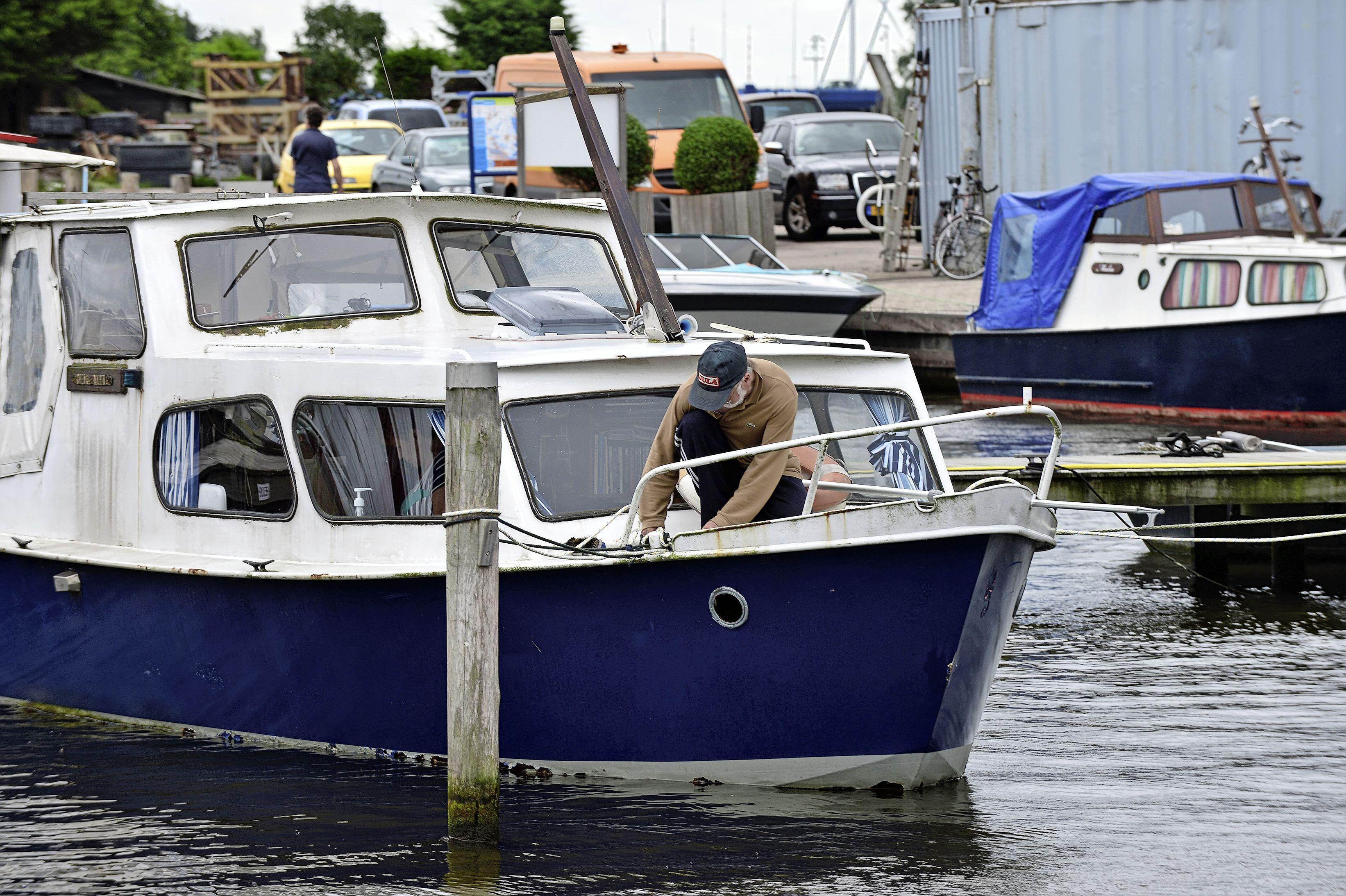 Zaanstad voert belasting in voor toerist die op boot overnacht