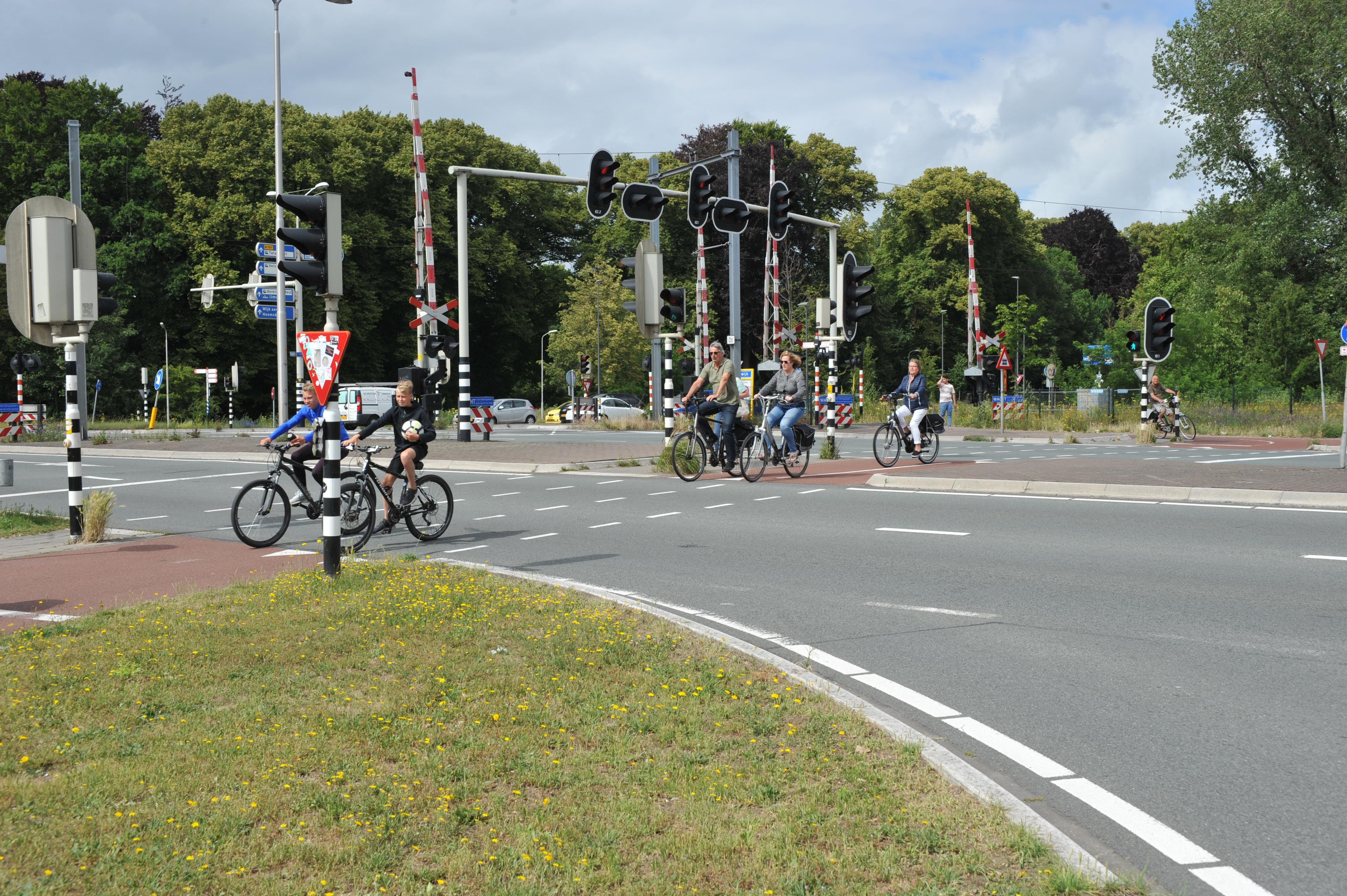 Velsertraverse in Velsen-Noord krijgt voetgangers- en fietstunneltje én oversteek mag blijven