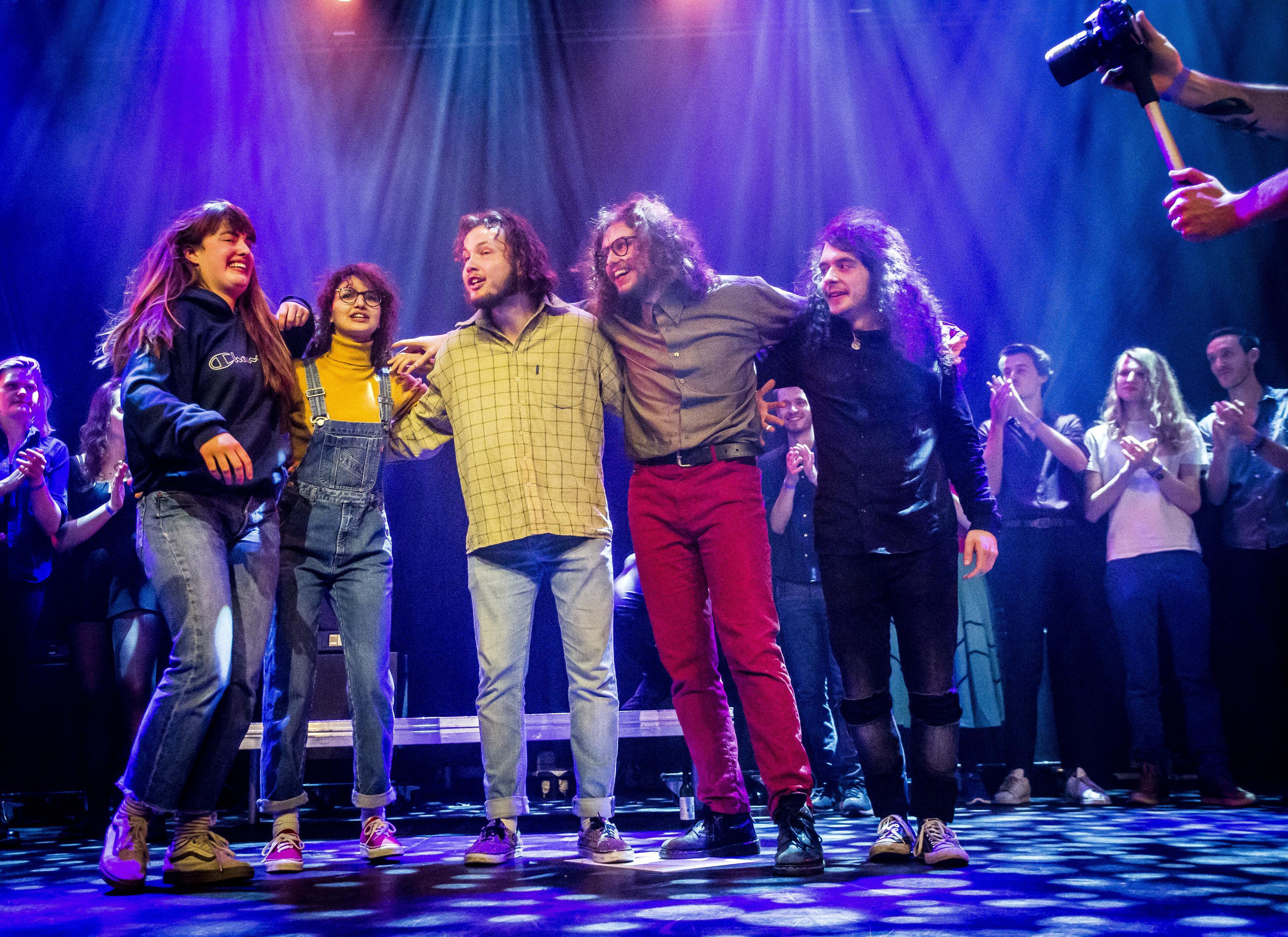 Winkelend publiek kan tijdens Shoppingnight vrijdag in Haarlem zomaar op een concert van Nemsis stuiten