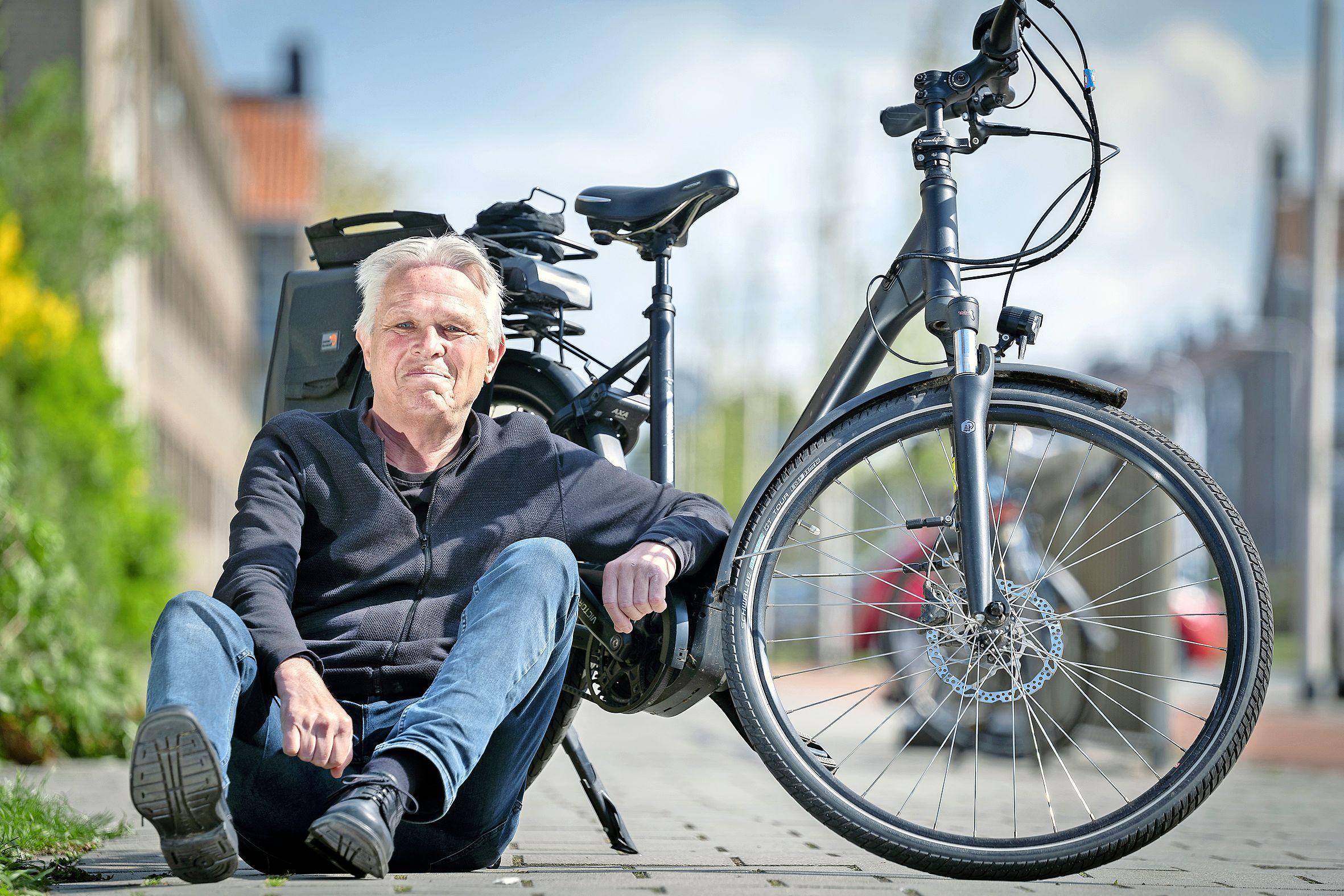 Hans (66) heeft door corona het fietsen herontdekt. 'Ik heb het afgelopen jaar delen van het duin ontdekt waar ik nog nooit was geweest. Je waant je er gewoon op vakantie'