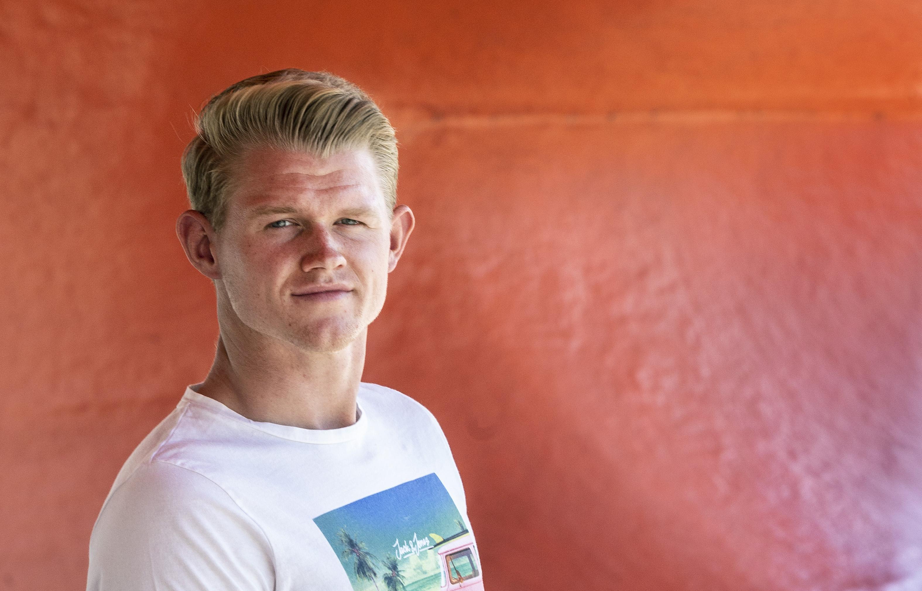 Honkballer Luuk ter Beek uit Nieuw-Vennep blikt terug op een hectische periode: 'Door een orkaan zat ik dertig uur vast in Tokio'