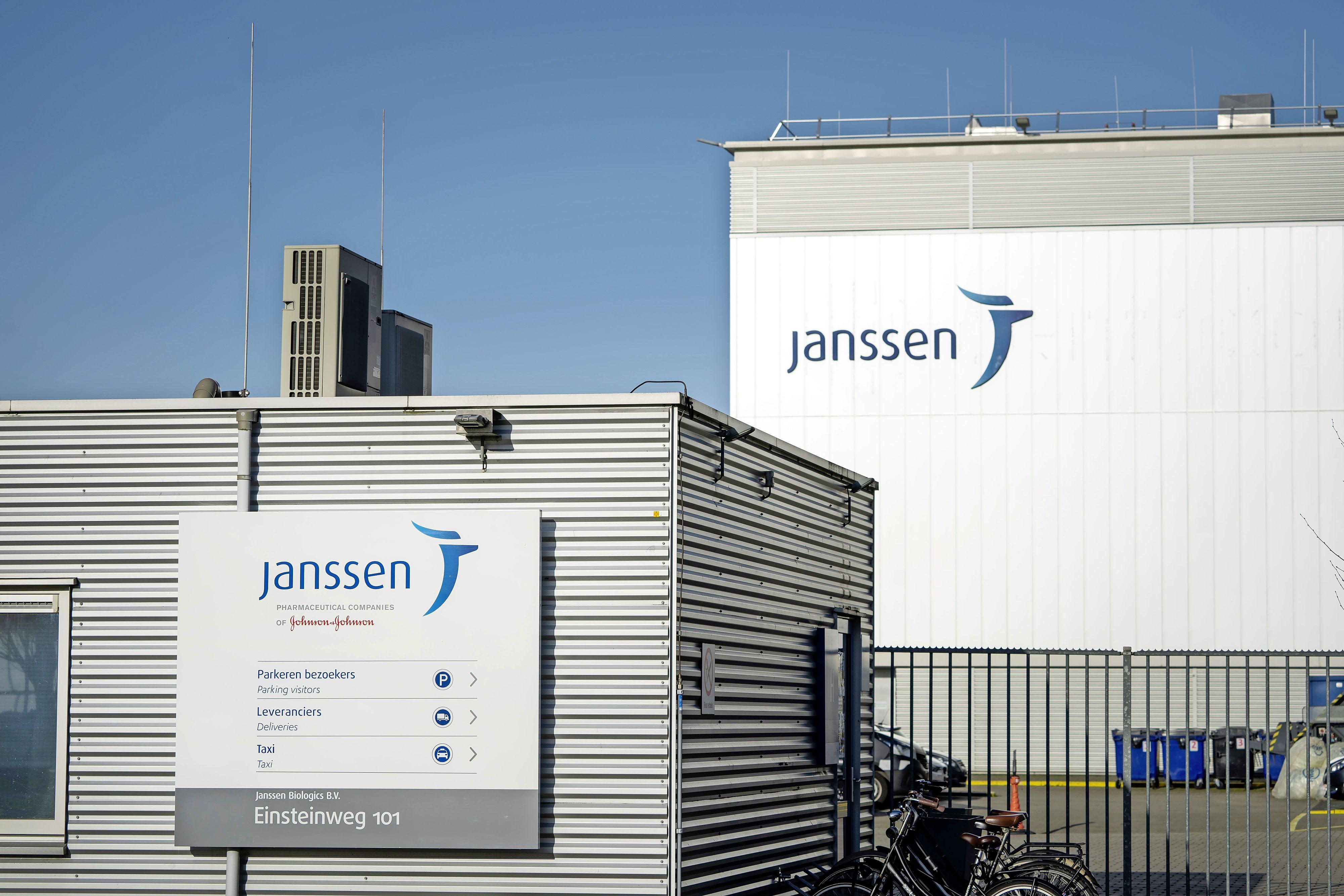 Advies van Johnson & Johnson: laat het Janssen-vaccin voorlopig in de opslag liggen