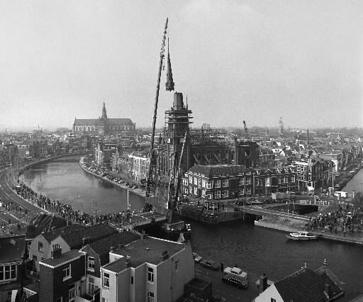 Bewegend Verleden: sloop van de Spaarnekerk in Haarlem, 1983 [video]
