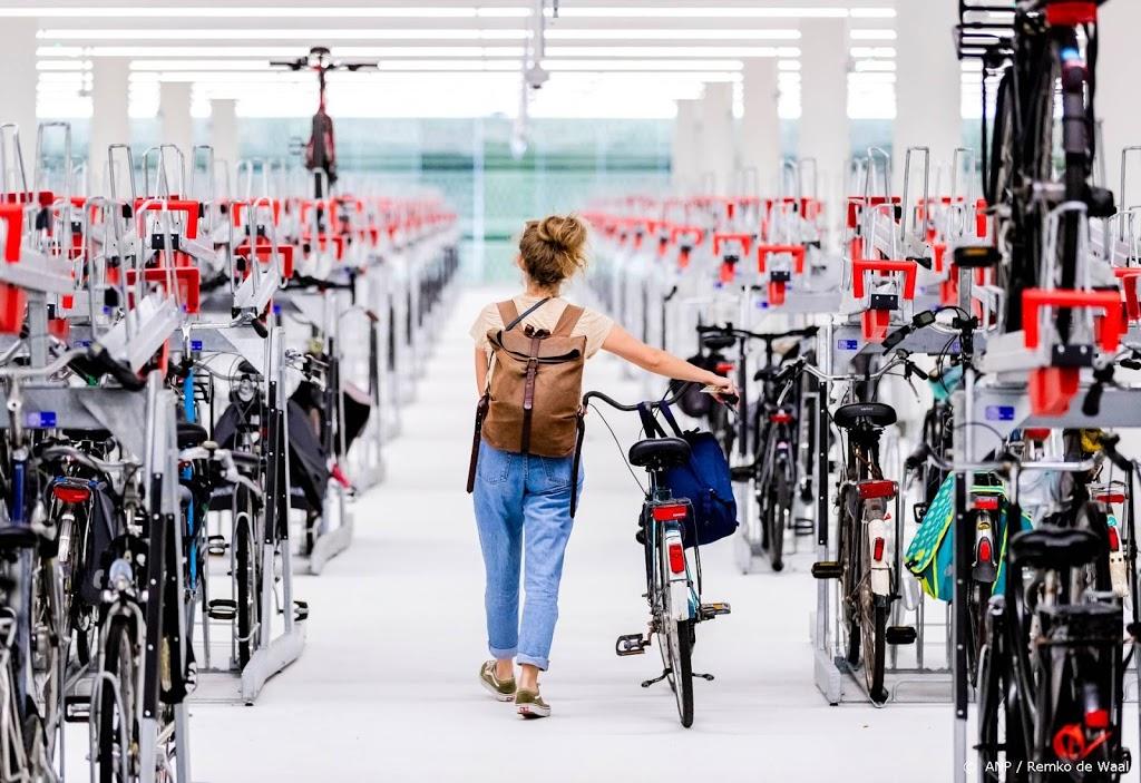 Kabinet trekt beurs voor wegen, stations en fietsenstallingen