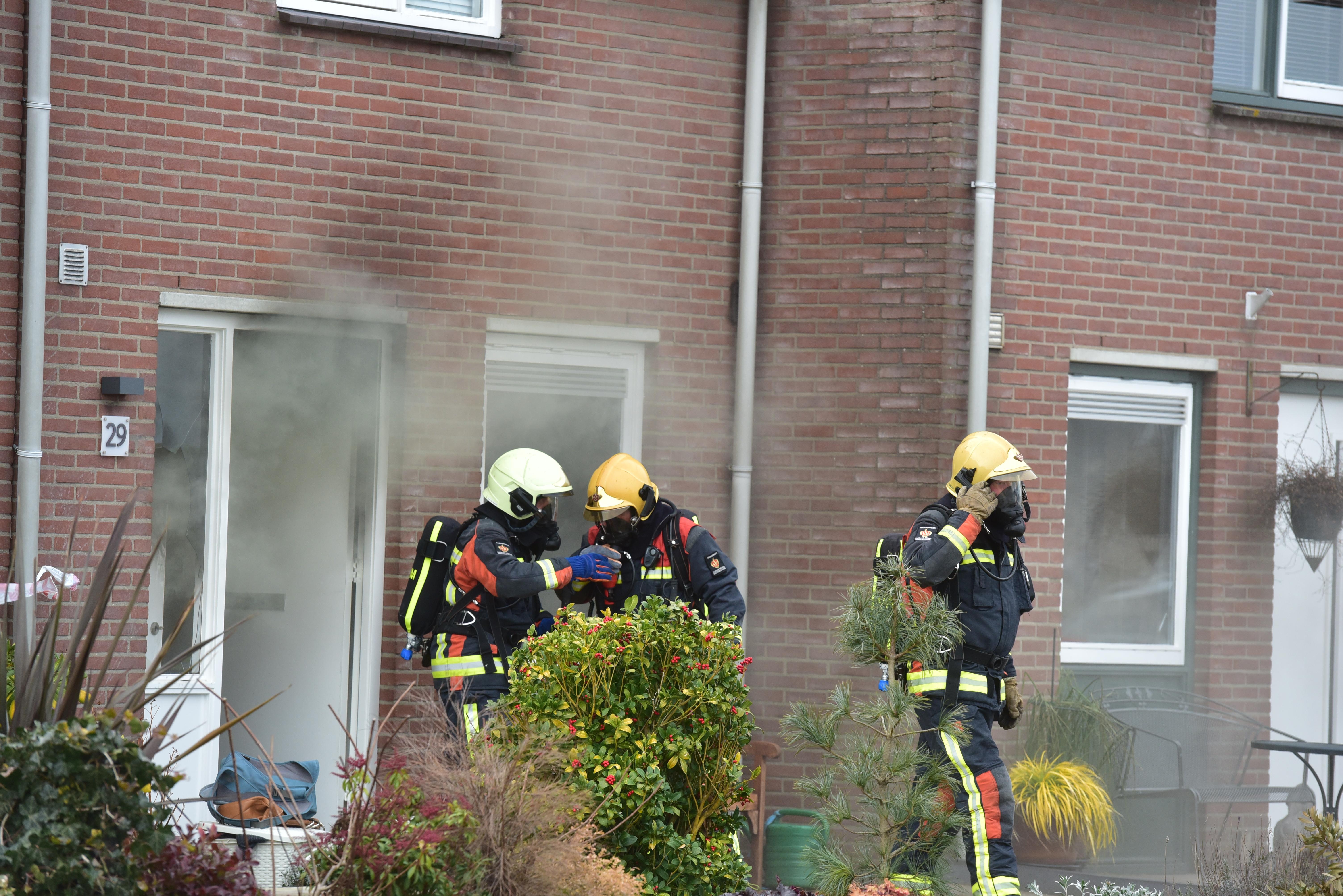 Vrouw steekt man neer in Oude Wetering en zet vervolgens huis in brand: 'Ze leek helemaal de weg kwijt'