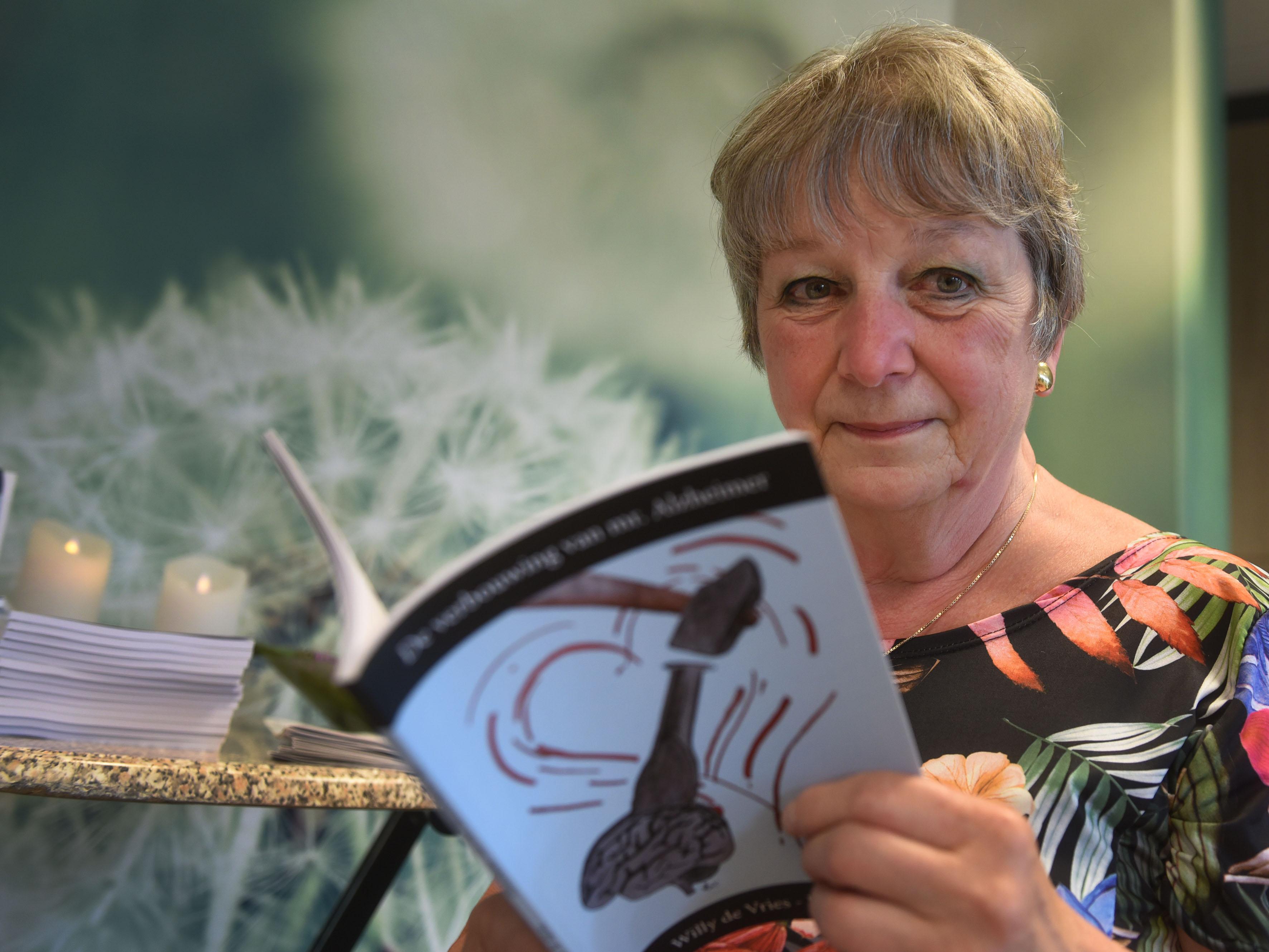 Willy de Vries-Kuijken geeft met boekje over Alzheimer beeld van impact voor patiënt en naasten
