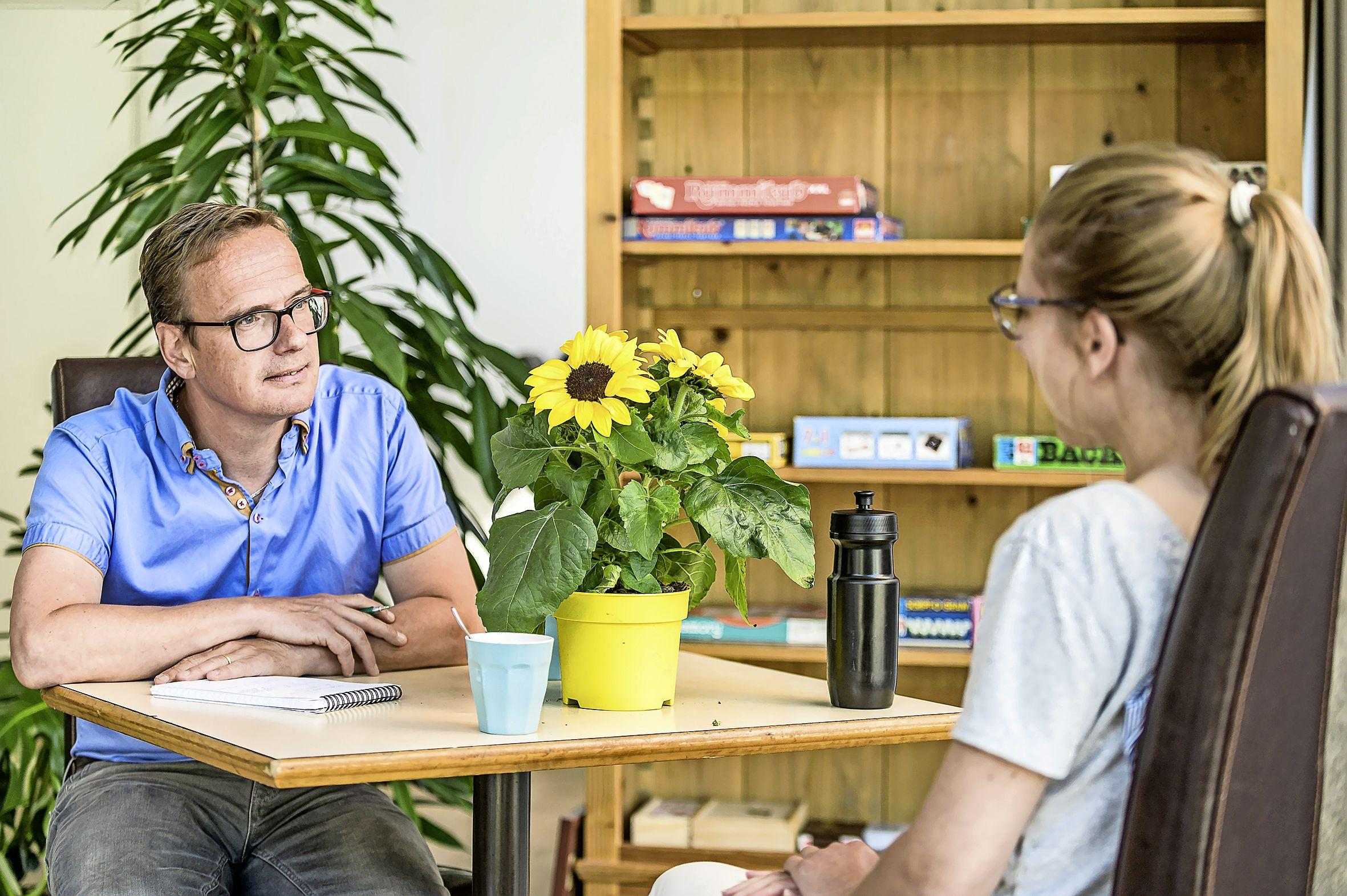 Bij Het Sociale Winkeltje kan je terecht voor een praatje óf je burenruzie