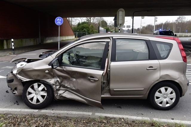 Drie auto's betrokken bij ongeluk in Wassenaar; een gewonde