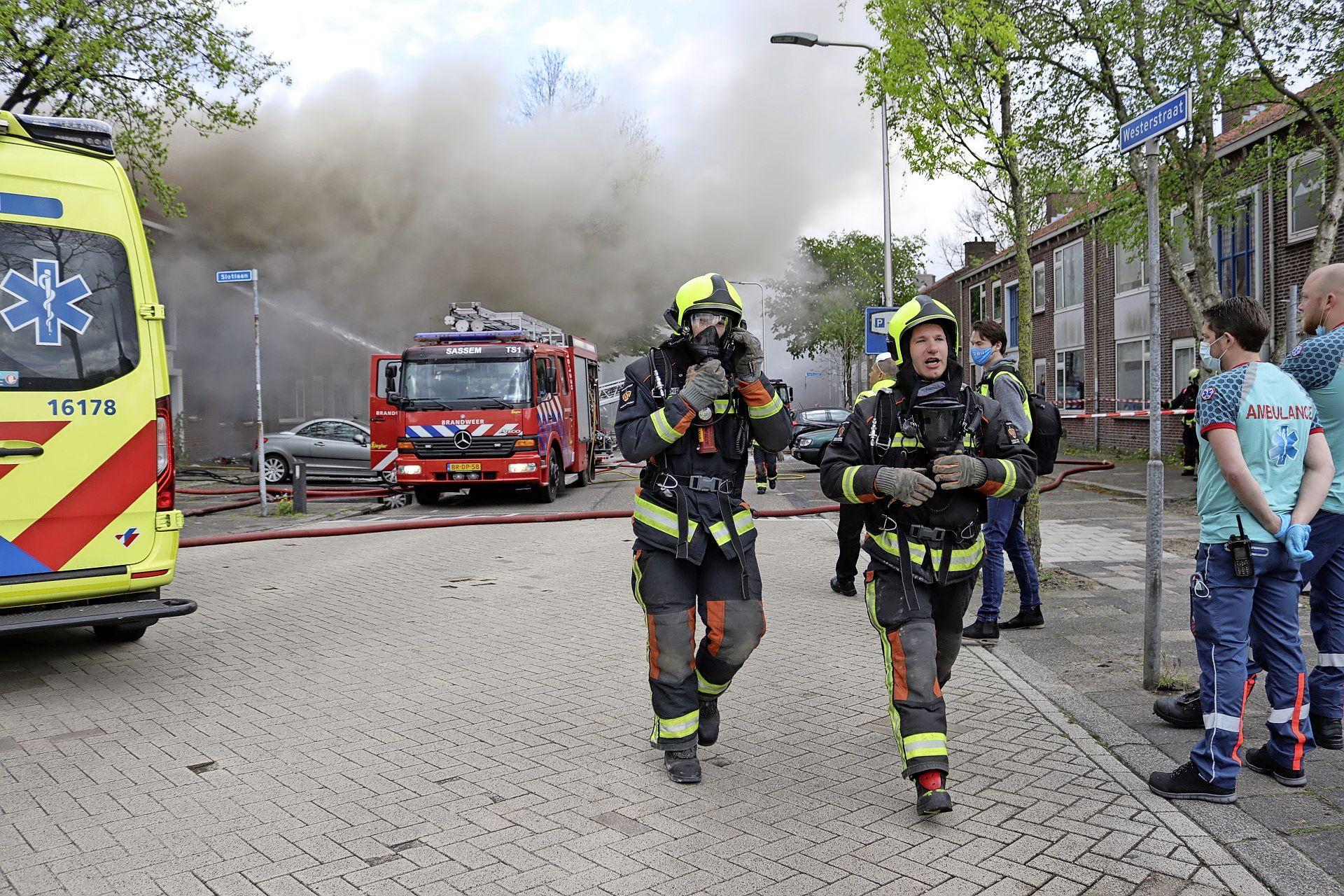 Explosie en brand in Sassenheim: 'De knal was zo hard, dit is een aanslag dacht ik'