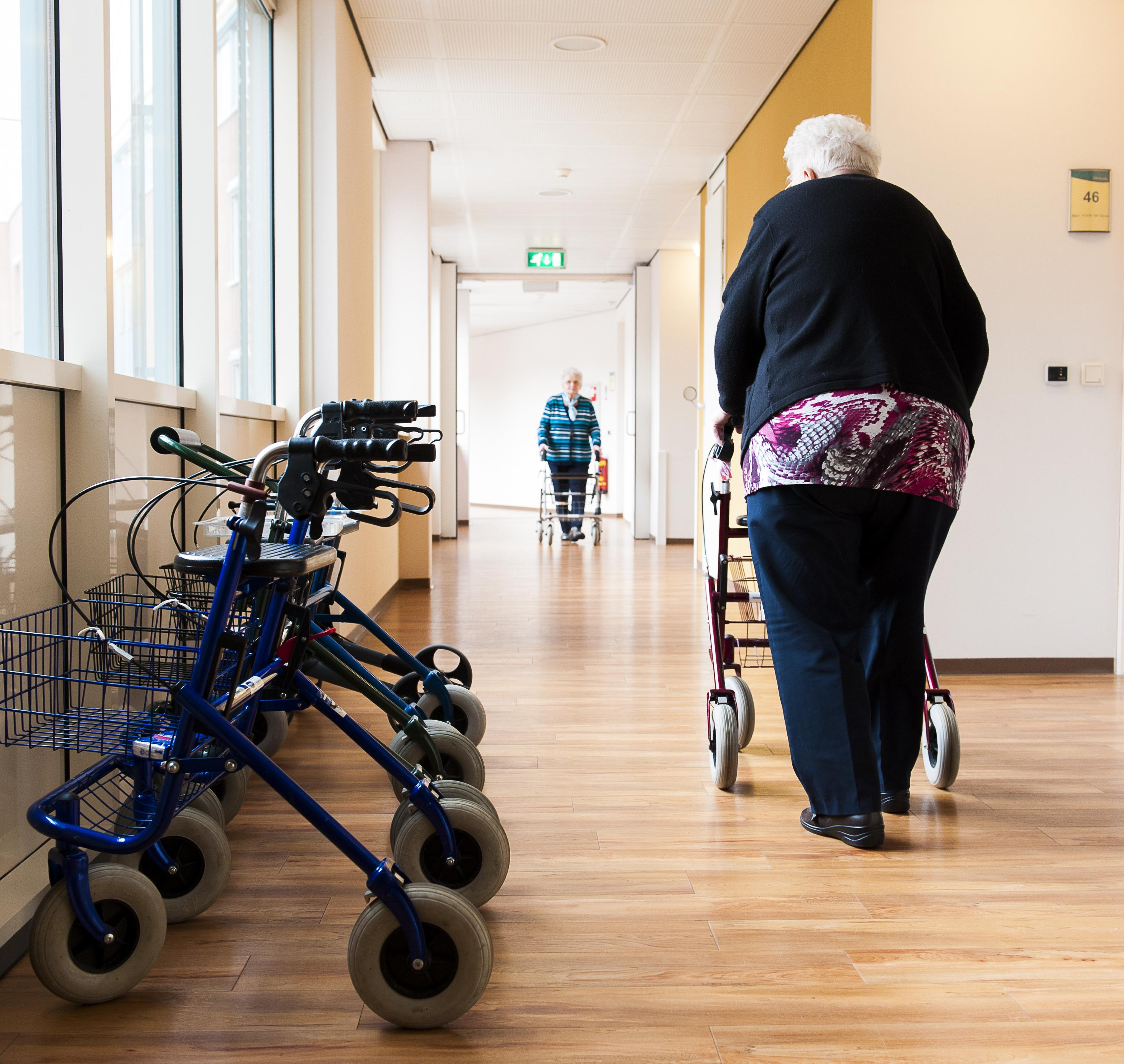 Geen nieuwe dagbesteding voor demente mensen in 2021, zorgorganisaties gaan niet in op aanbod van gemeenten in Gooi en Vechtstreek