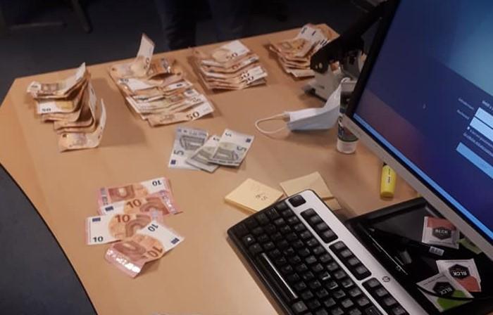 Drugsdealer met veel geld en harddrugs opgepakt in Bunschoten-Spakenburg