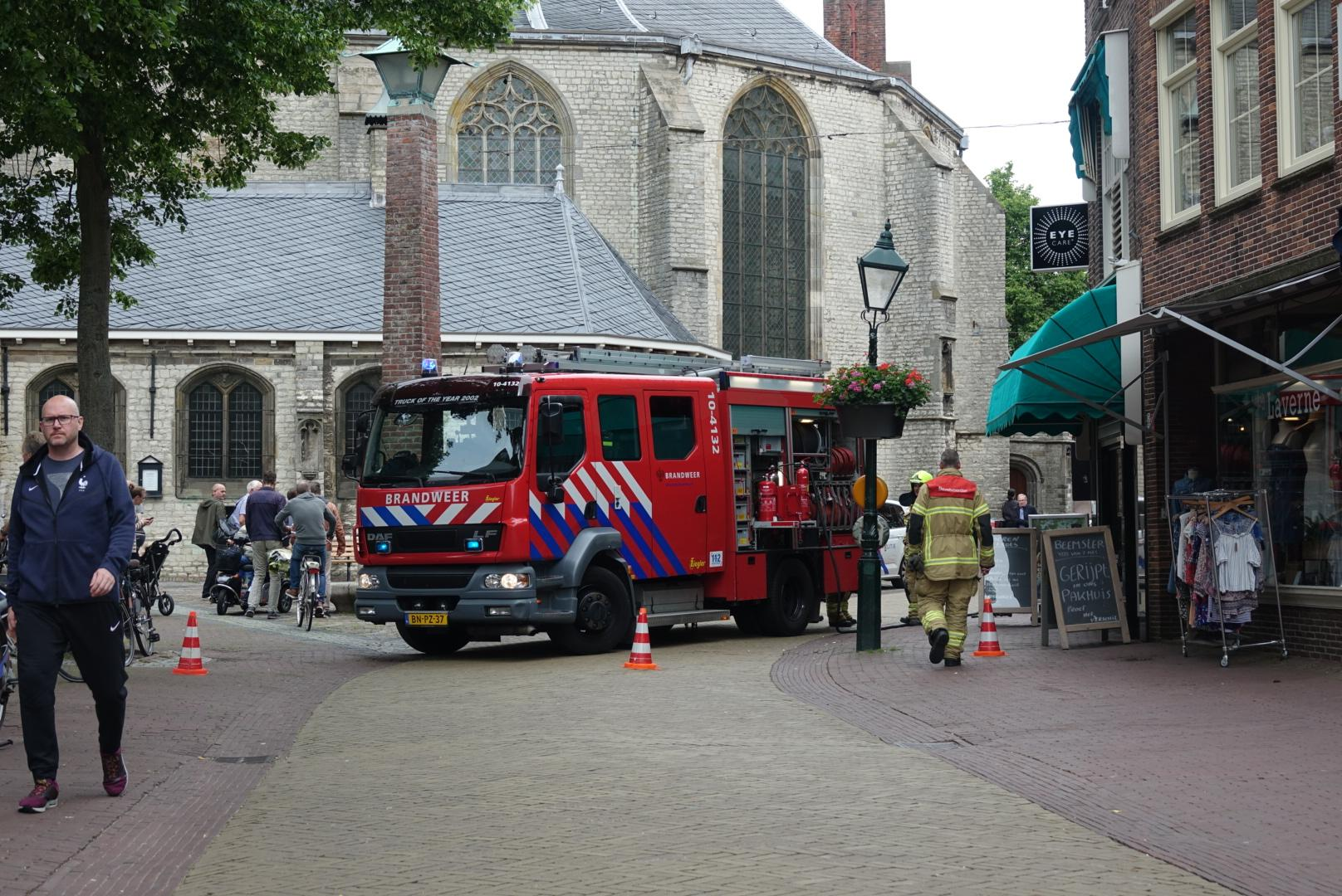 Brandweer rukt twee keer uit naar winkel in centrum Alkmaar