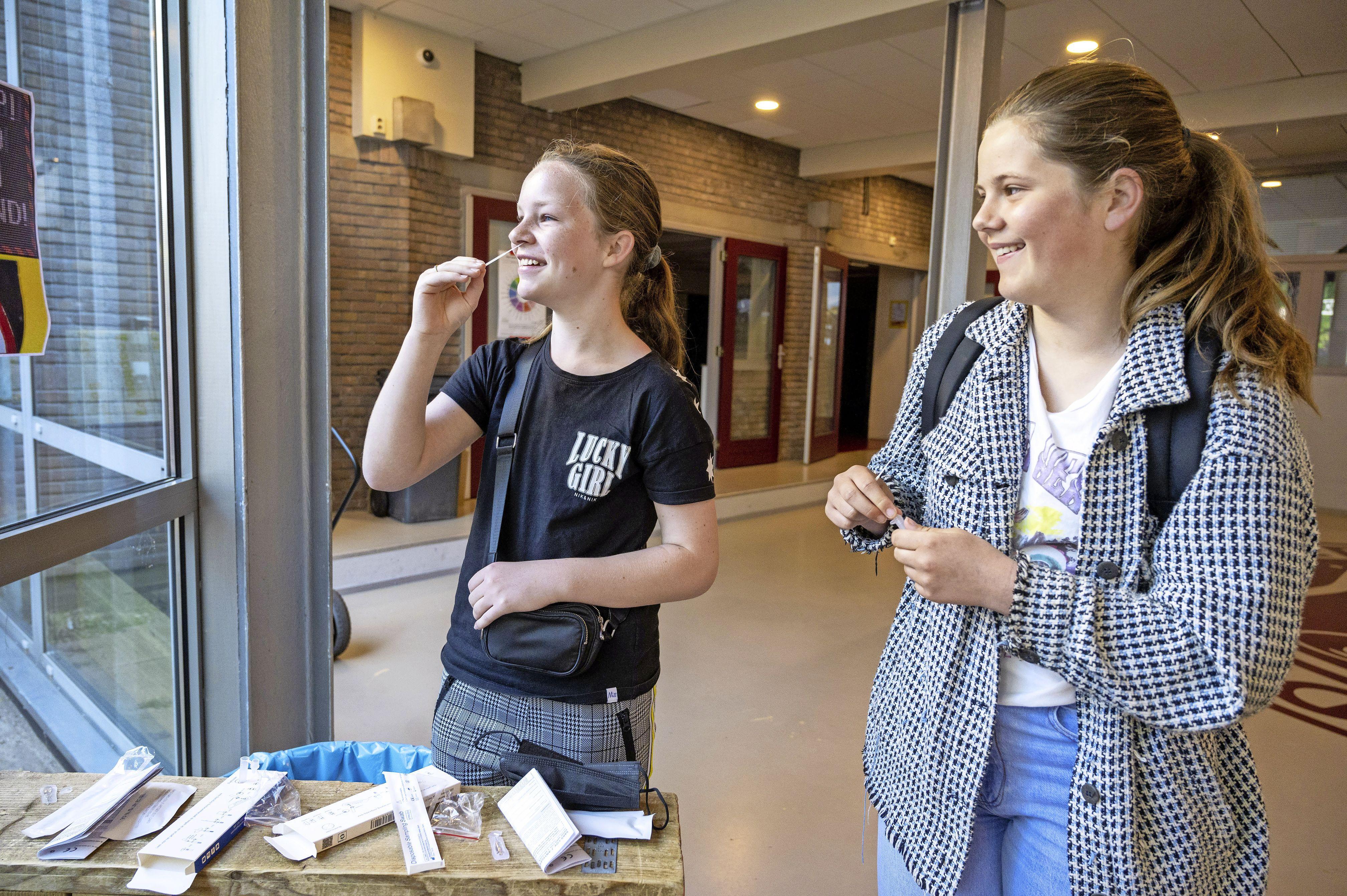 Veel scholen in regio Waterland gaan maandag niet volledig open: '89 procent van medewerkers vindt het geen goed idee'