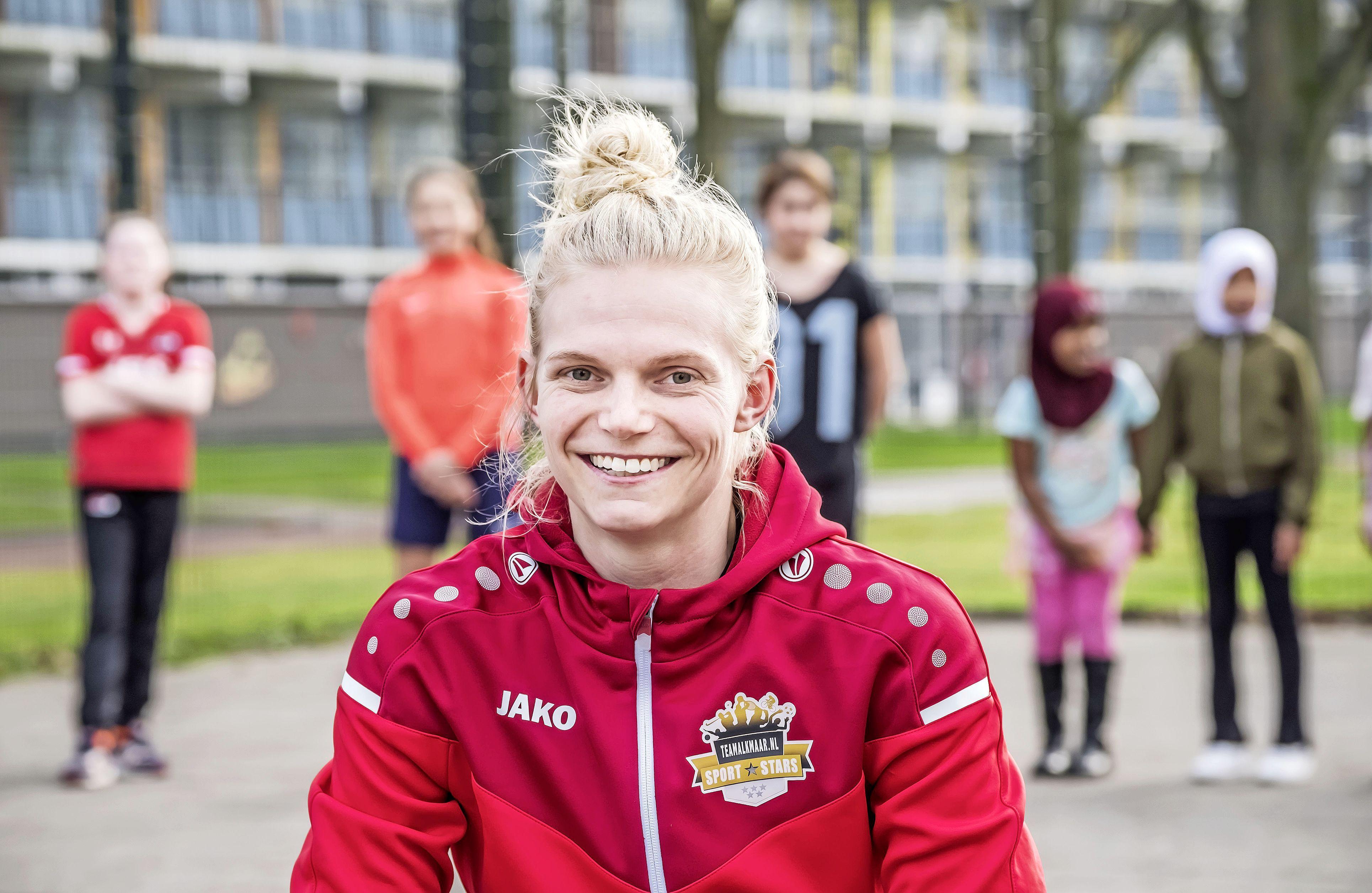 Zaal- en beachvoetbalinternational Aaike Verschoor geeft de voorkeur aan een belangrijke sliding boven een winnende treffer: 'Zelfs in de zaal'