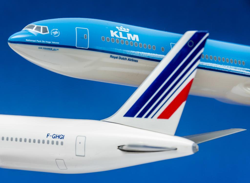 Minister Hoekstra stelt KLM-personeel teleur