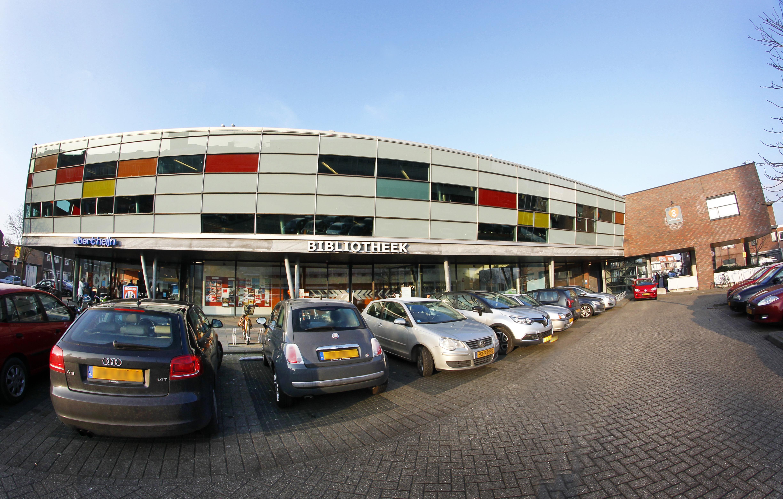 Bibliotheek IJmuiden gaat mogelijk verhuizen naar de Lange Nieuwstraat