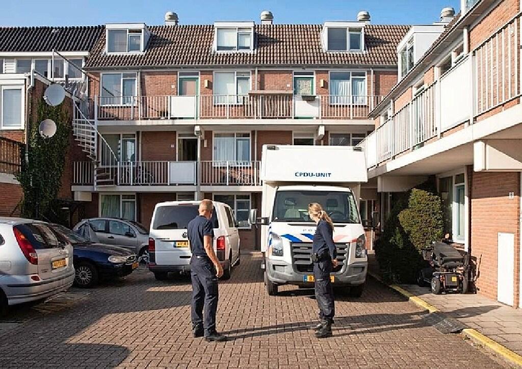 Man die zijn vrouw vermoordde met een touw in Bussum moet in juli voor de rechter verschijnen