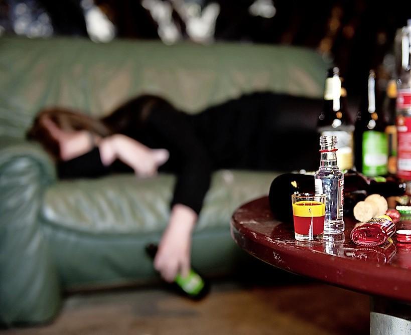 Jongeren in regio Alkmaar zakken steeds vader door: een op de zes is 'zware drinker'