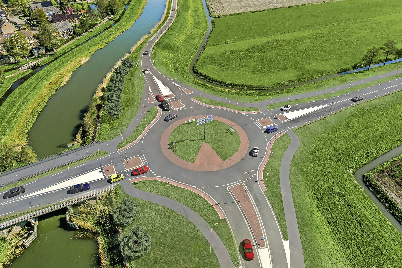 'De N243 is totaal versleten.' Provincie gunt Boskalis miljoenenopdracht om weg tussen Alkmaar en Avenhorn compleet te vernieuwen