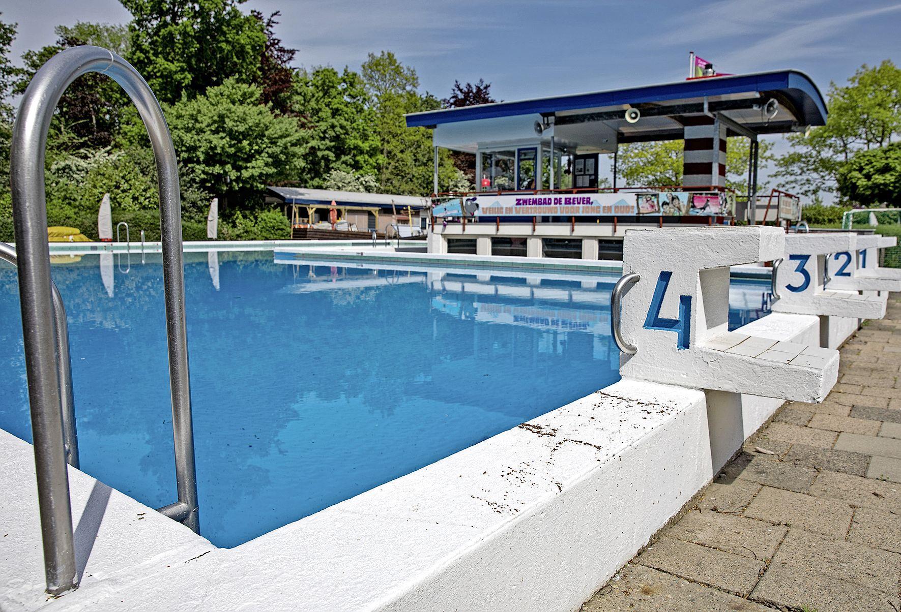 Ton moet zwembad De Bever in Sint Pancras helpen verduurzamen
