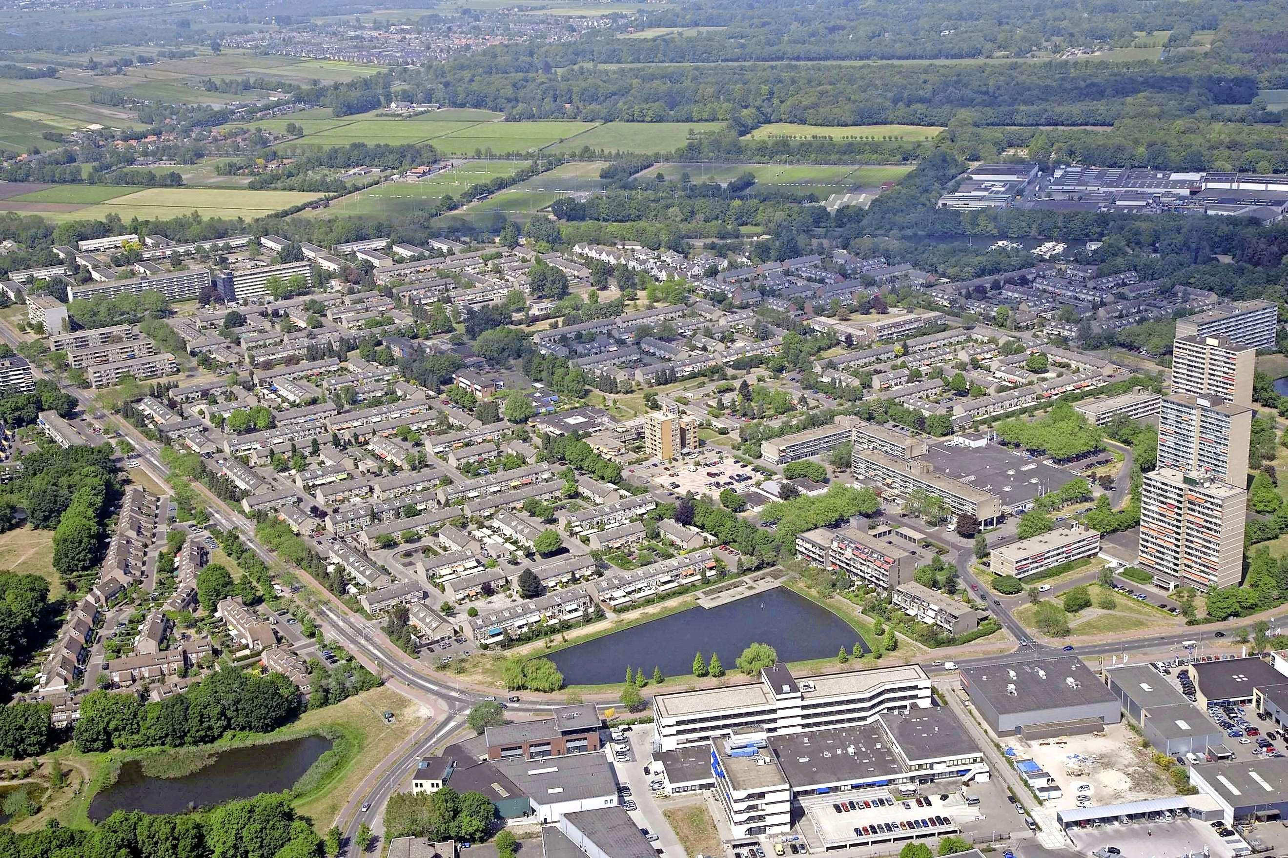 Klussen op stapel. 1,7 miljoen euro om de wijk Kerkelanden, de Hilversumse Meentweg en de Schuttersweg veiliger te maken